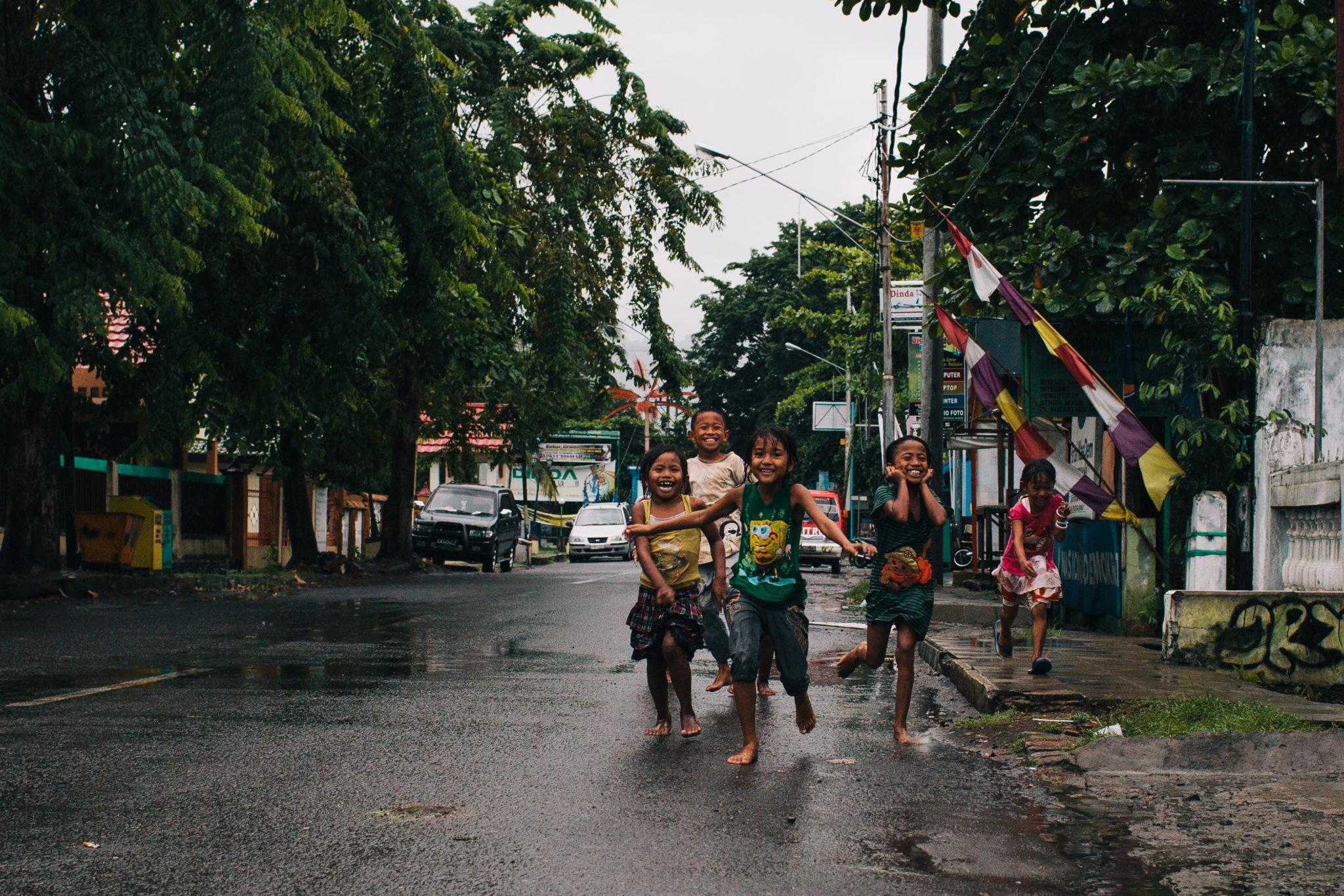 Sumbawa-Indonesien-Kinder
