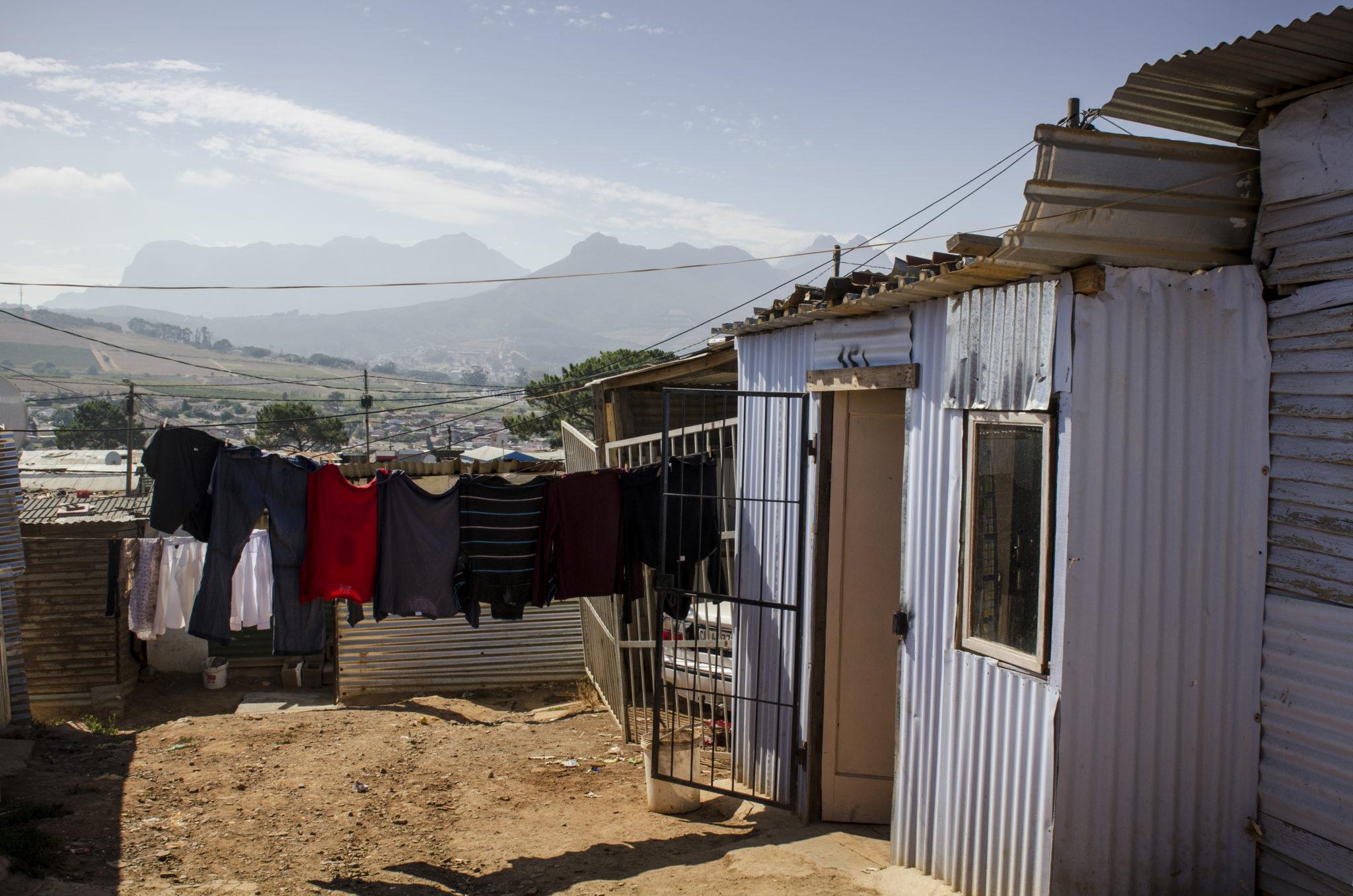 Das Kayamandi Township bietet schöne Ausblicke auf die südafrikanische Landschaft