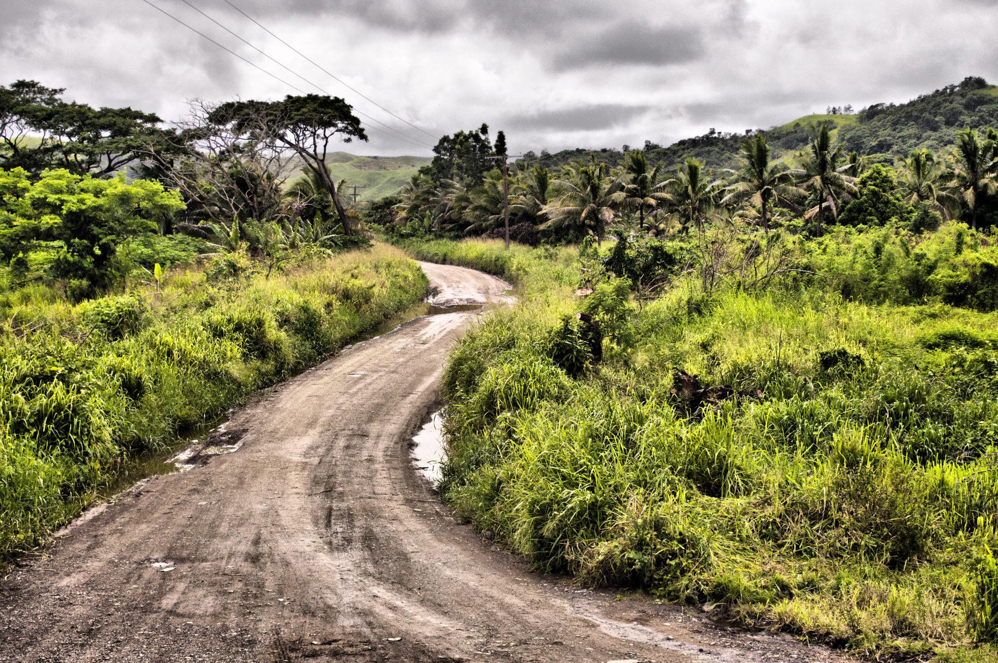 Fidschi Reisen können auch mal auf einer Schotterpiste stattfinden