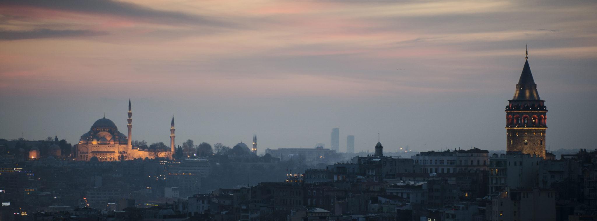 Tuerkei-Sehenswuerdigkeiten-Istanbul-Galata-Turm-Slider