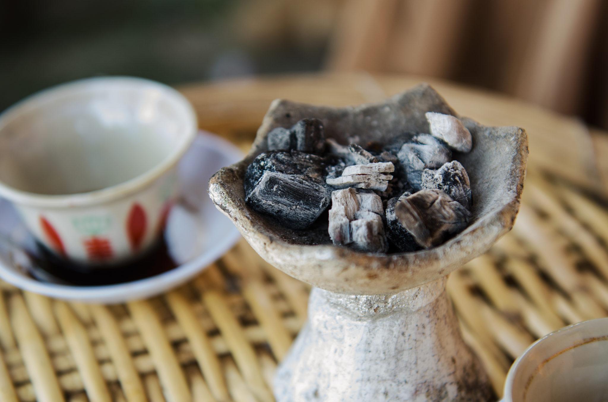 Aethiopien-Sehenswuerdigkeiten-Kohle-Kochen