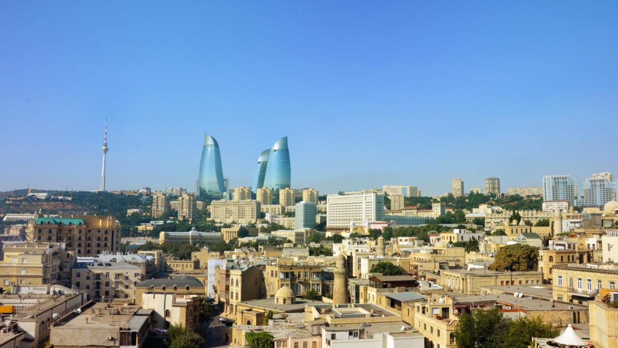Aserbaidschan-Reisetipps-Baku-Skyline