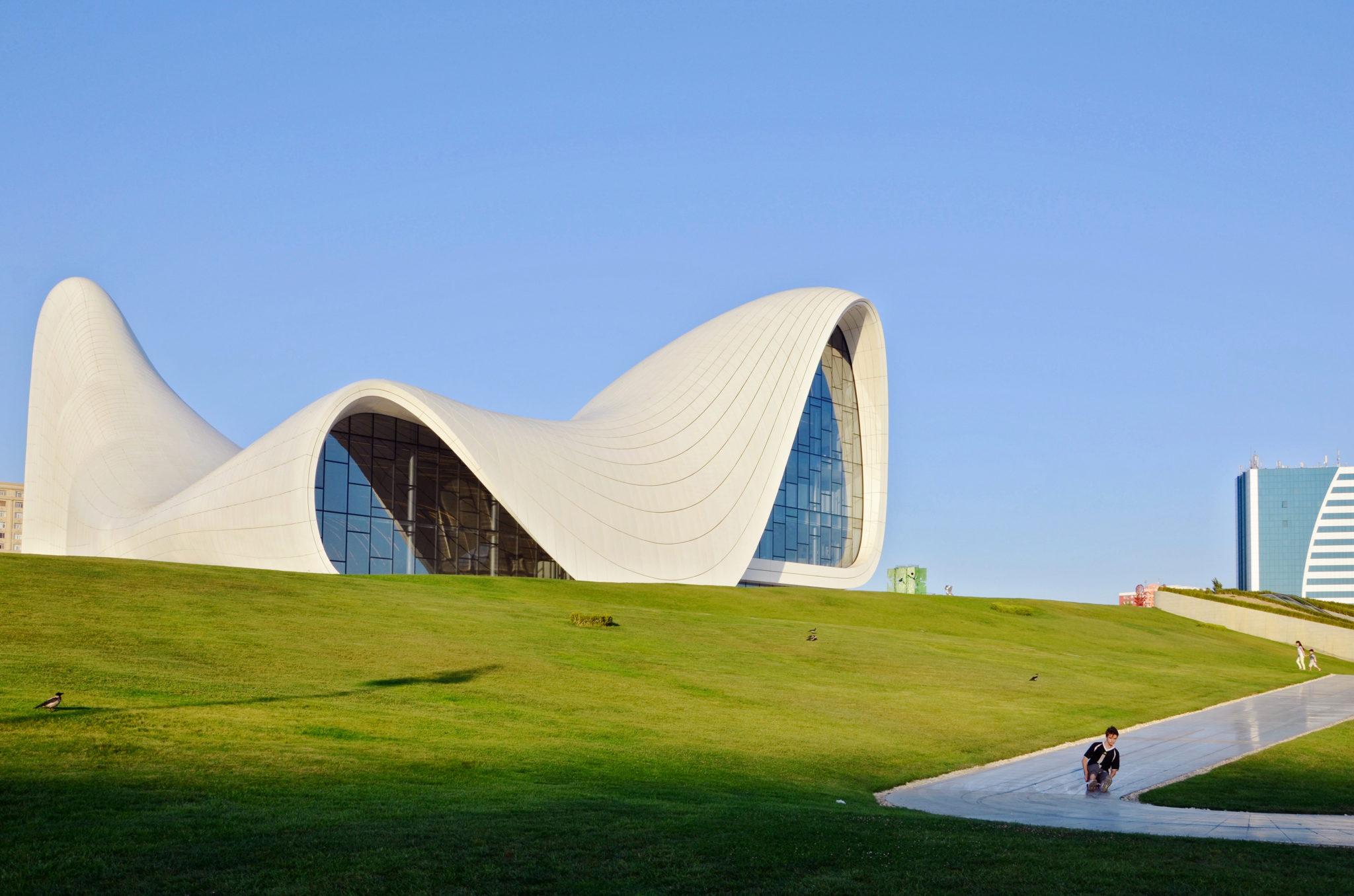 Heydar Aliyev Center von Architektin Zaha Hadid