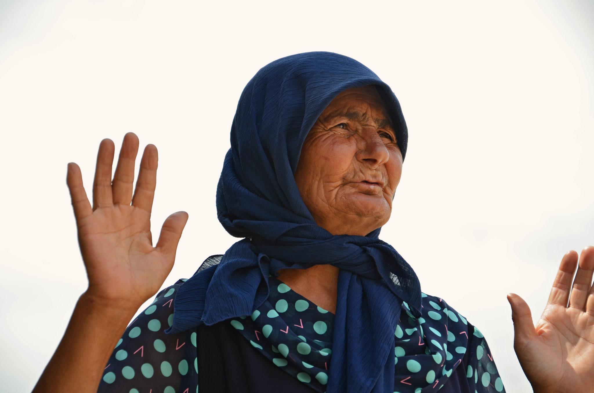 Aserbaidschan-Reisetipps-Wahrsagerin-Frau