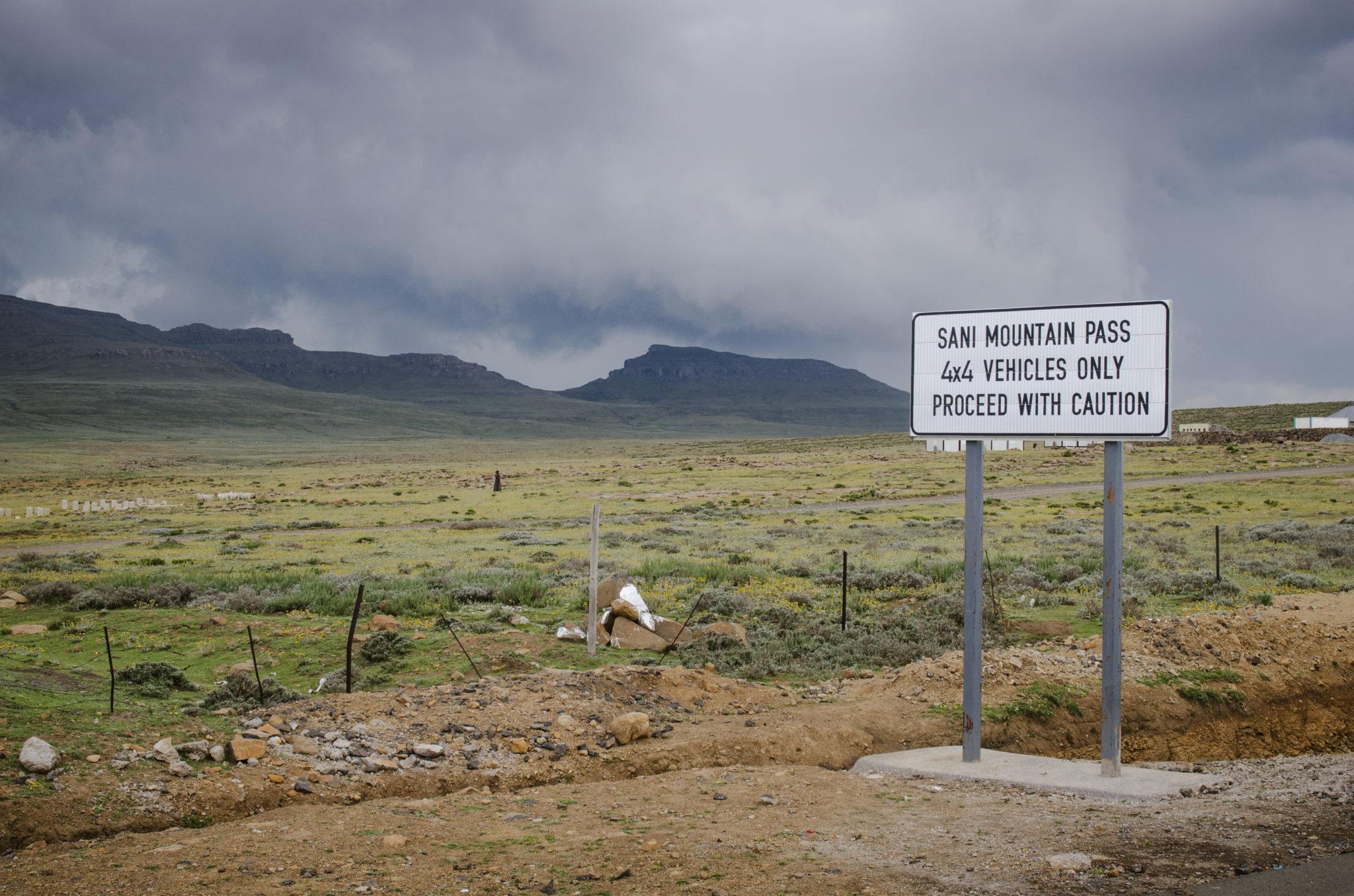 Auf dem Gipfel des Sani Pass zwischen Südafrika und Lesotho