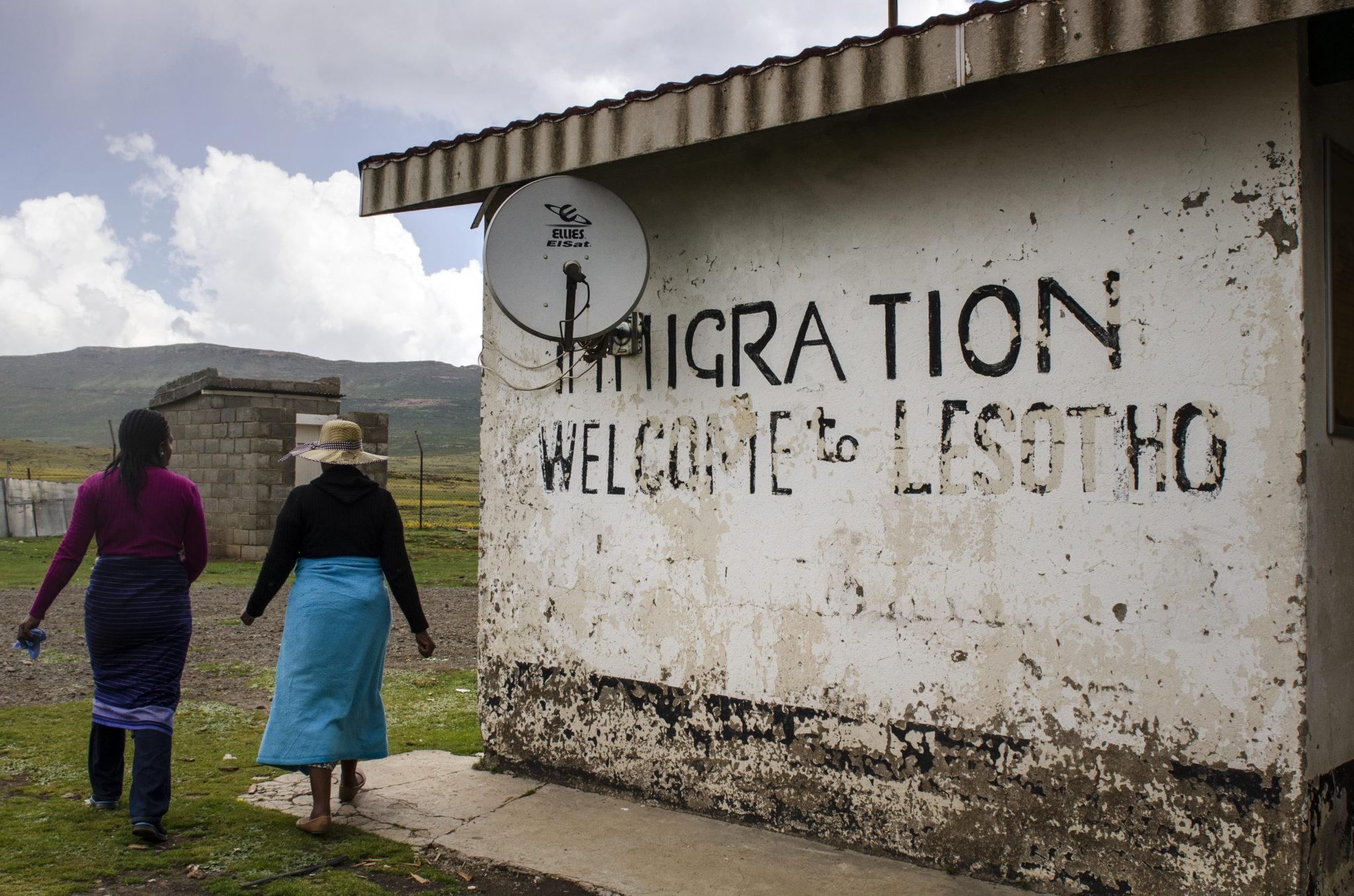 Die Einreise nach Lesotho auf dem Gipfel der Bergstraße