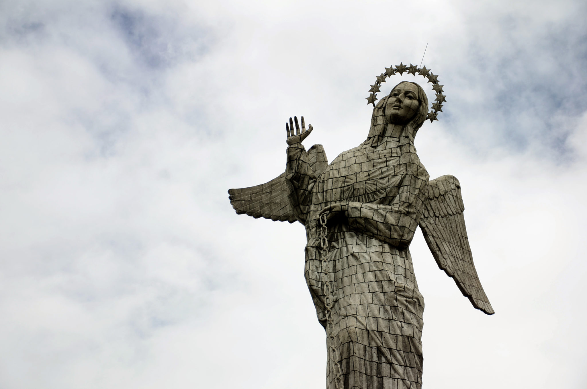 Sehenswuerdigkeiten-Ecuador-Quito-El-Panecillo-Statue