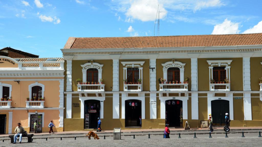 Sehenswuerdigkeiten-Ecuador-Quito-Haeuser