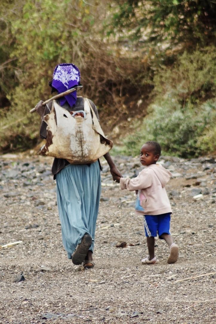Suedaethiopien-Menschenzoo-Mama-Kind
