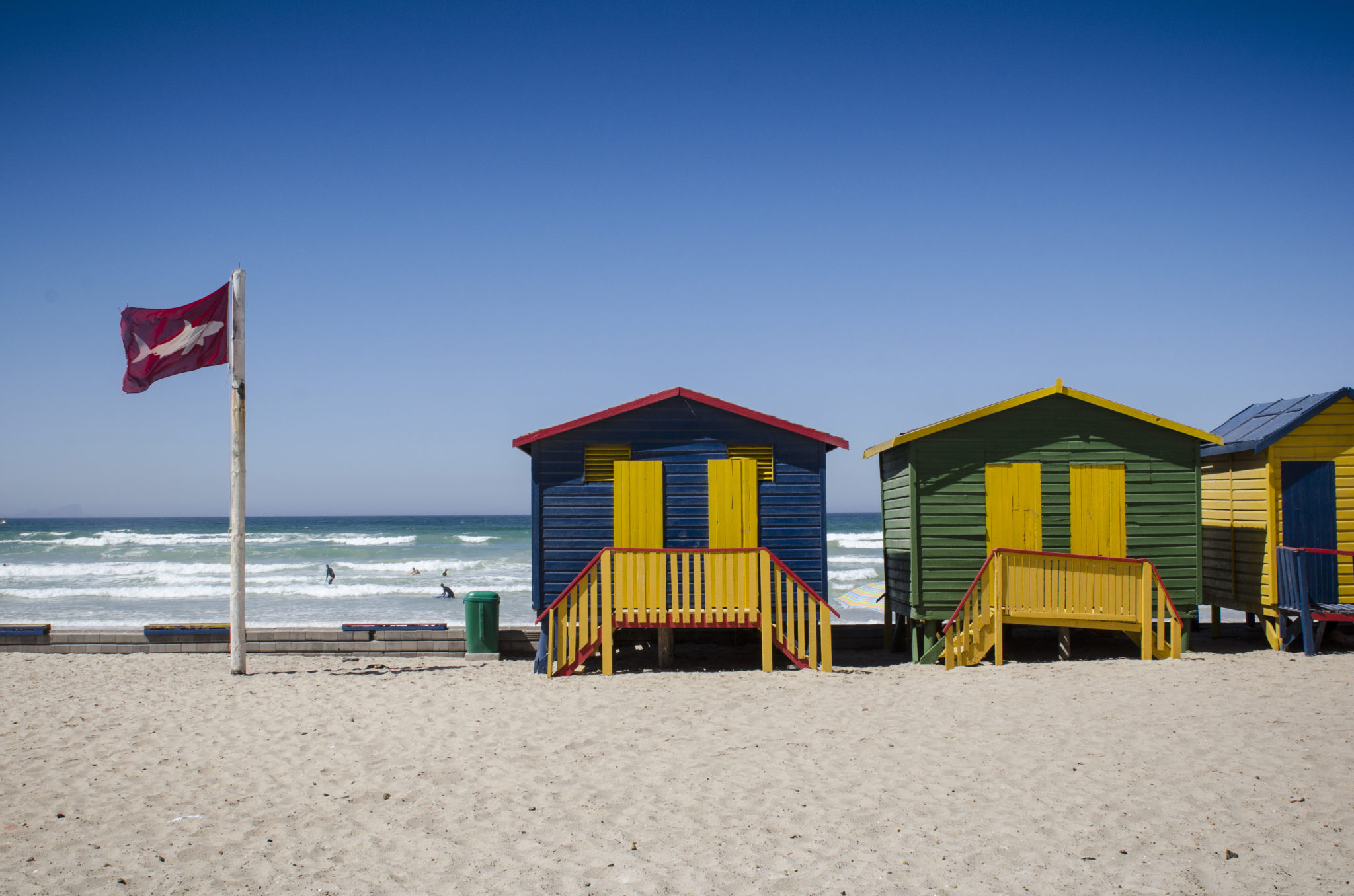 Suedafrika-Backpacking-Muizenberg-Beach-Bunte-Haeuser