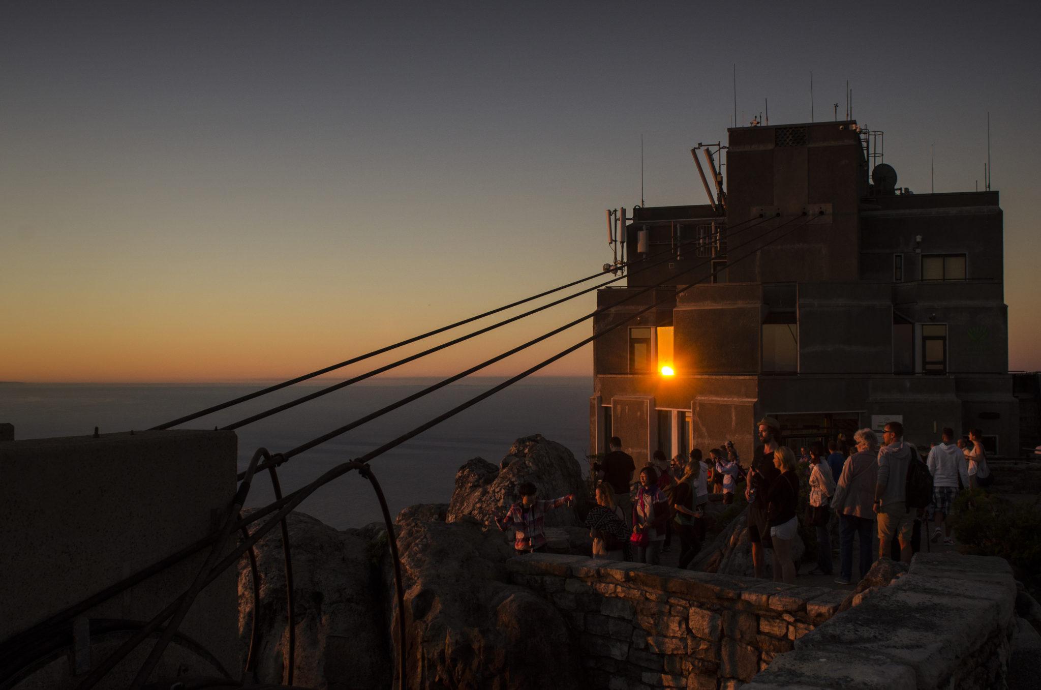 Südafrika Reisetipps: Zum Sonnenuntergang auf den Tafelberg in Kapstadt