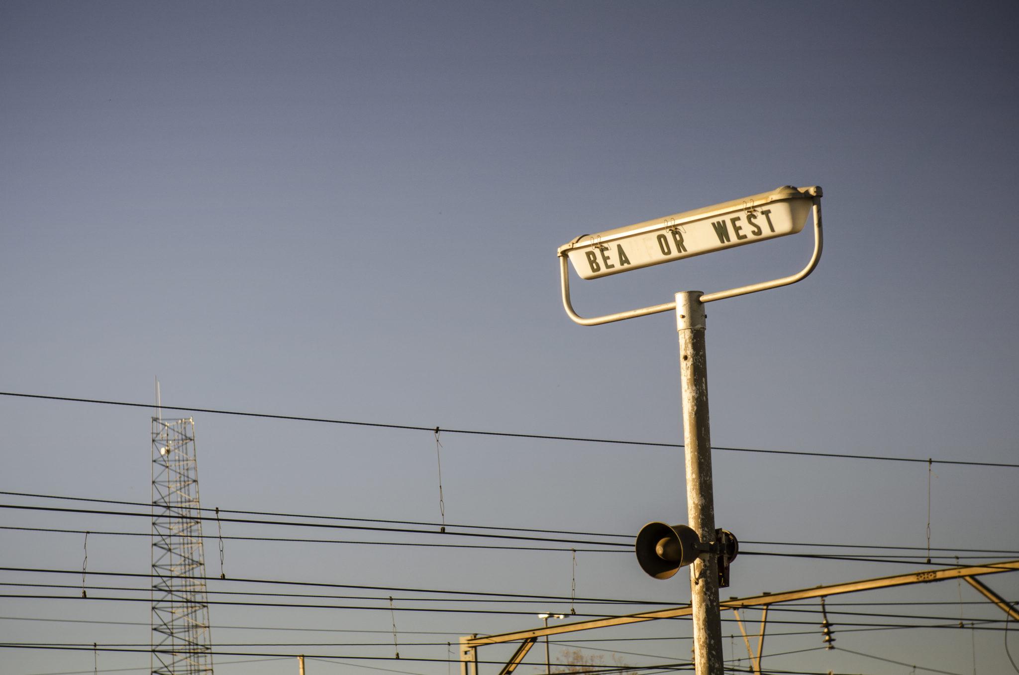 Mit dem Zug durch das Land fahren ist einer der besten Südafrika Reisetipps