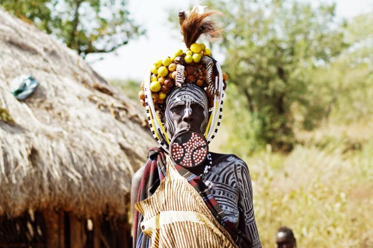 Eine Stütze der Kultur: Das Mursi Volk in Äthiopien
