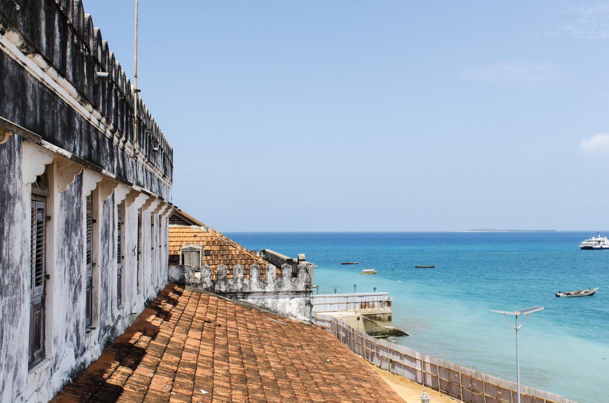 Der Palast am Meer in Stone Town auf Sansibar