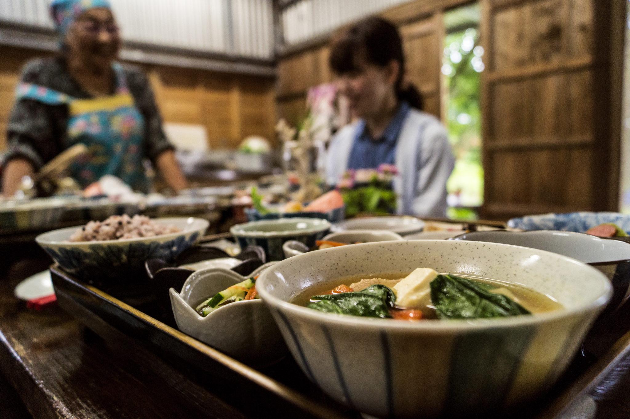 Ishigaki-Japanisch-Kochen-Essen-Tisch