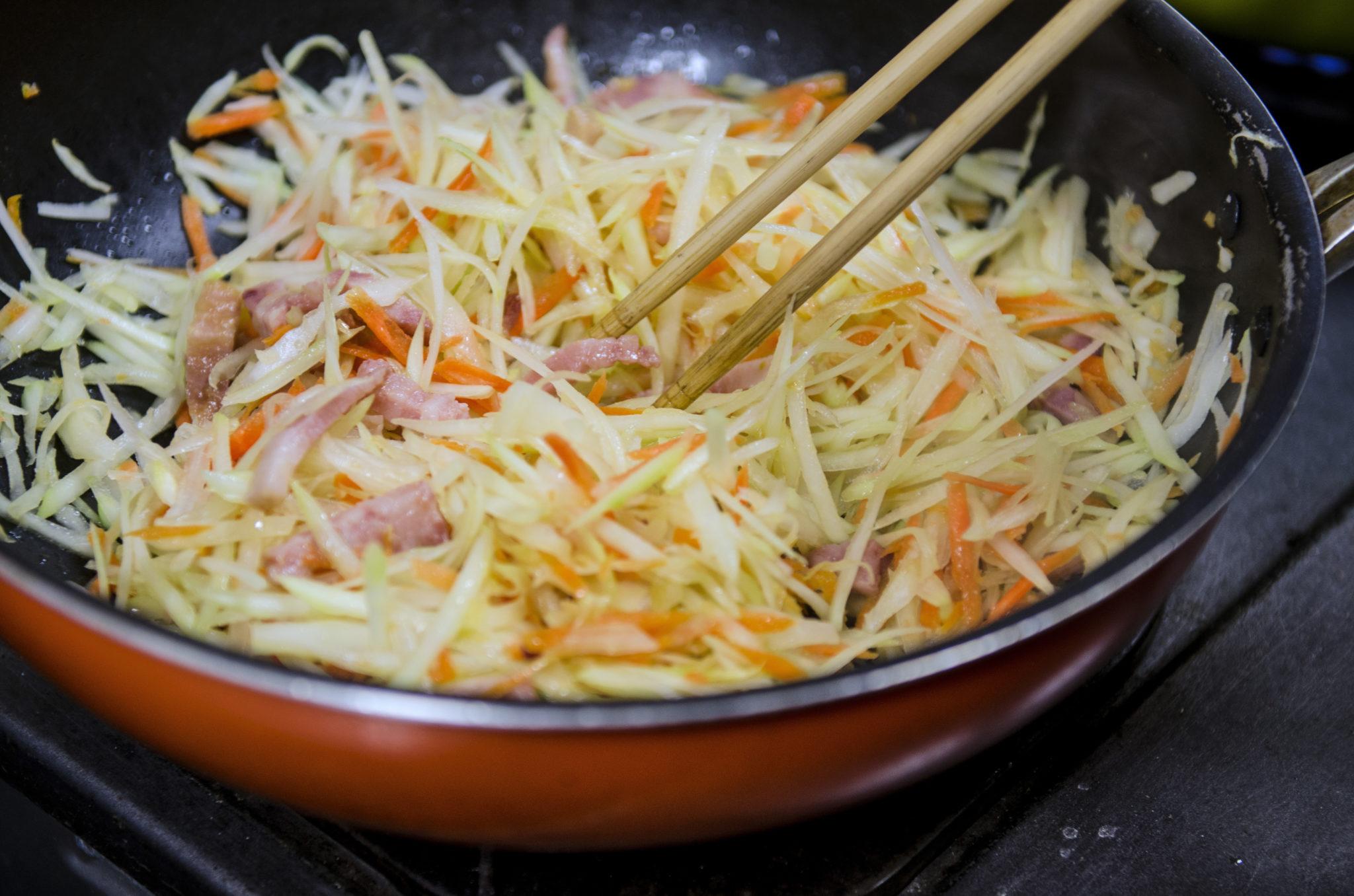 Ishigaki-Japanisch-Kochen-Papaya-Pfanne