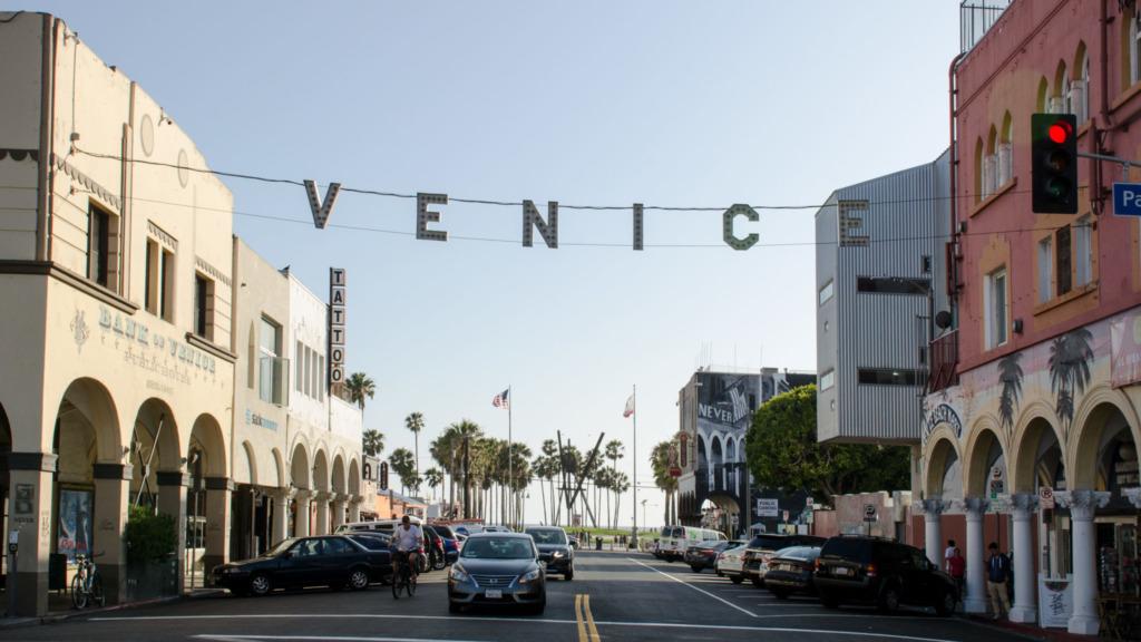 Venice-Beach-Venice-Schriftzug