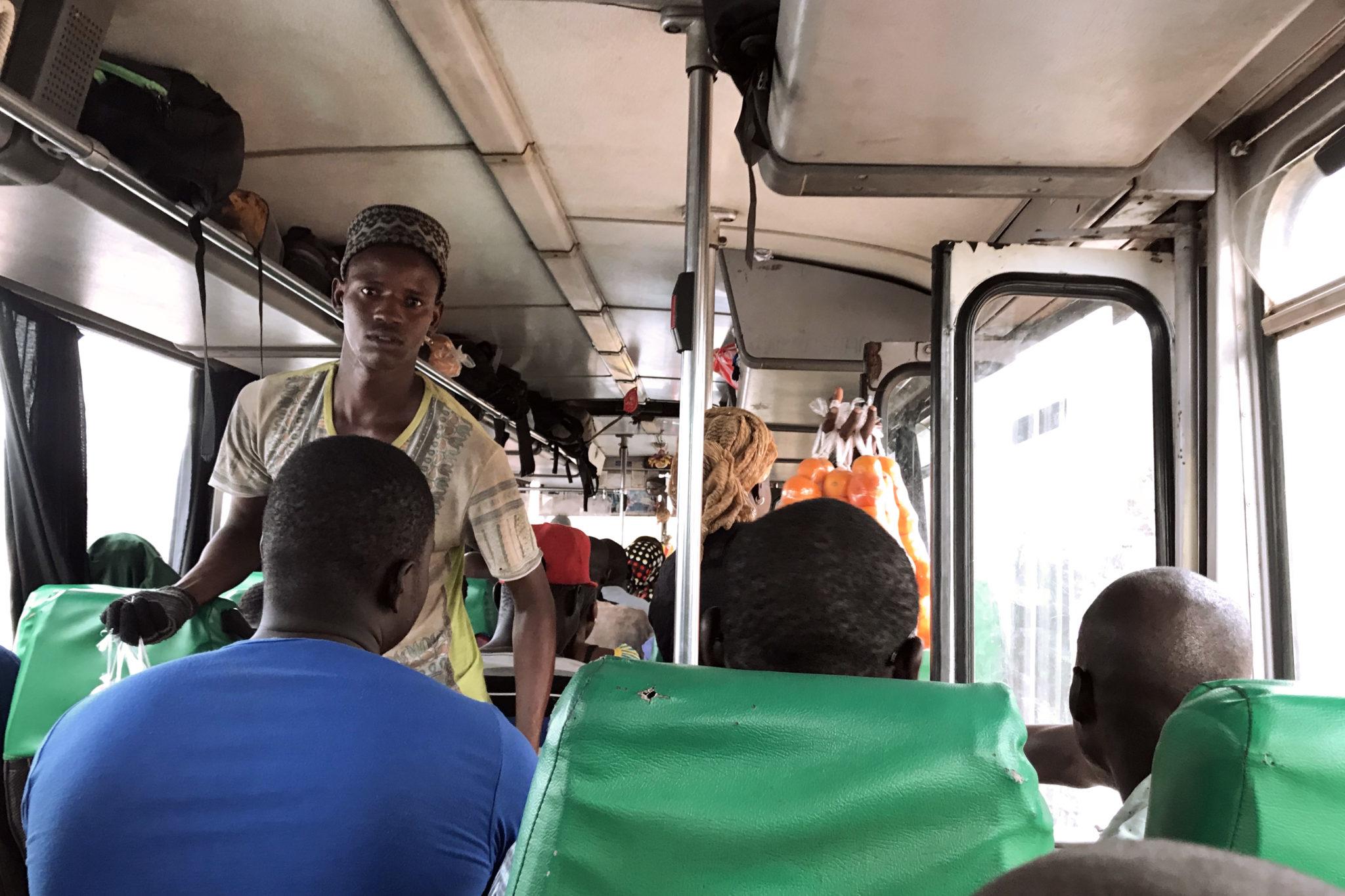 Mbour-Petite-Cote-Senegal-Busfahrt