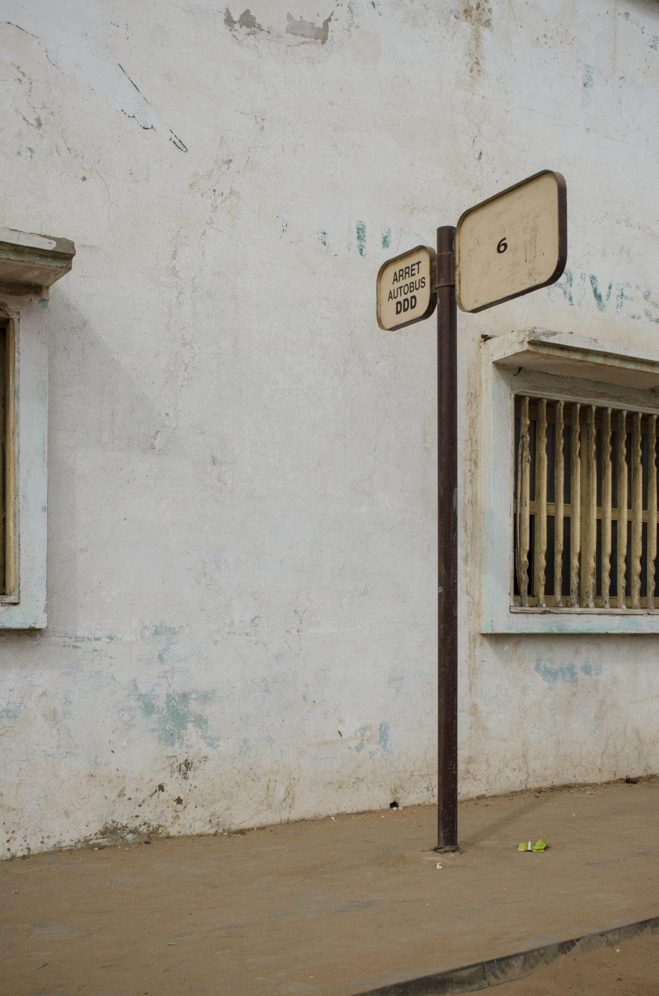 Mbour-Petite-Cote-Senegal-Bushaltestelle