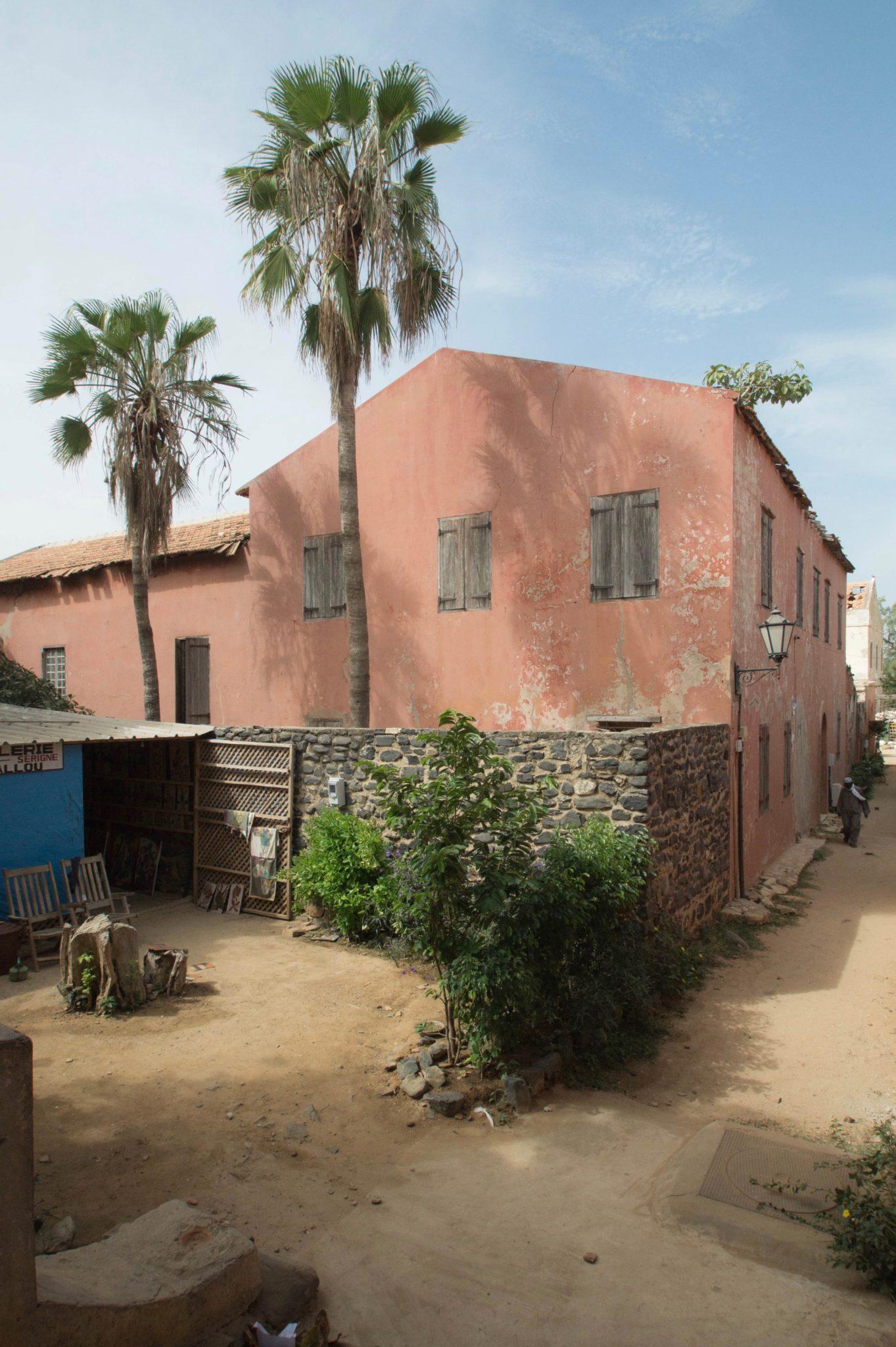 Senegal-Sehenswuerdigkeiten-Ile-de-Goree-Architektur