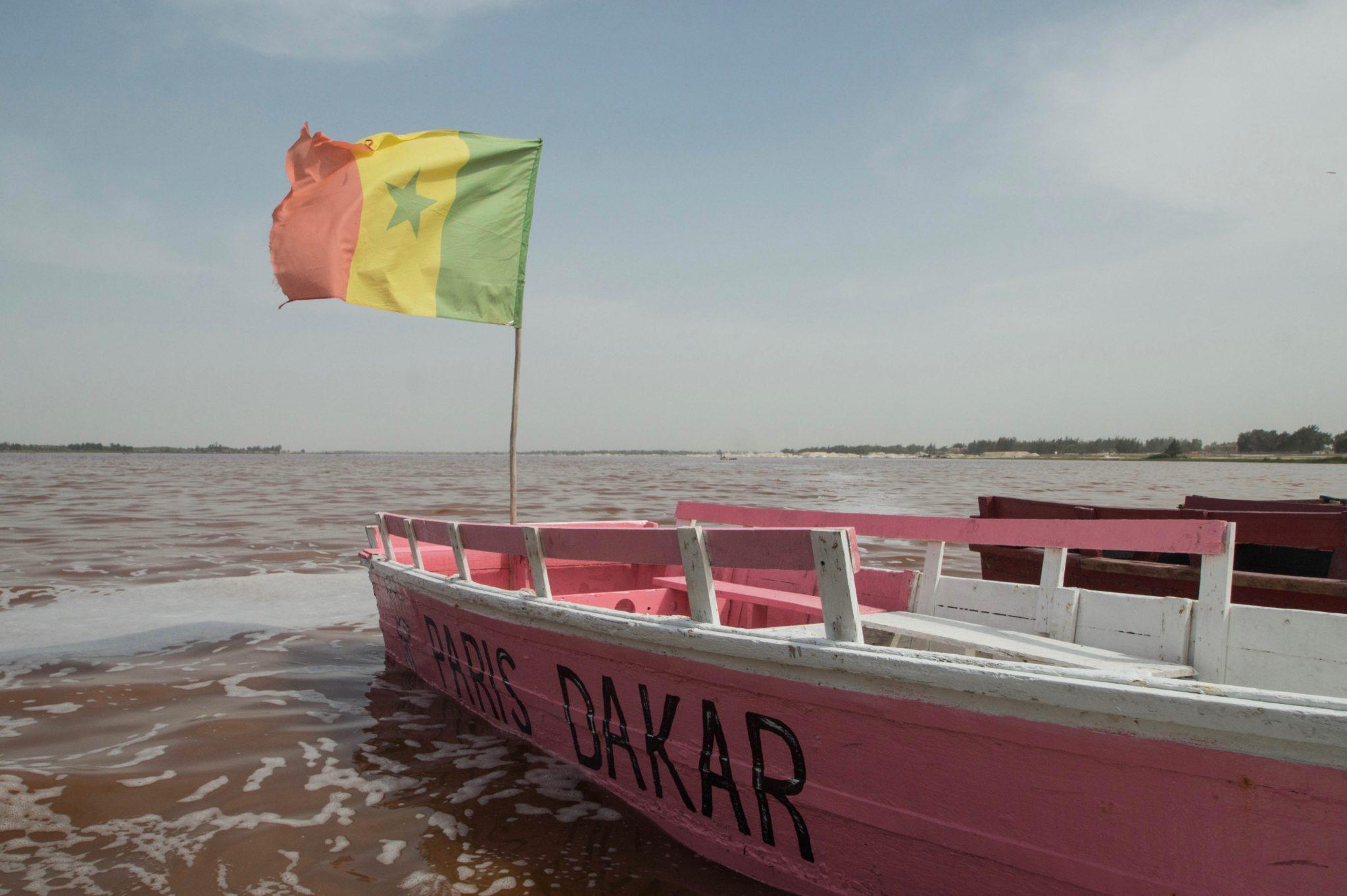 Der Lac Rose gehört zu den besten Senegal Sehenswürdigkeiten