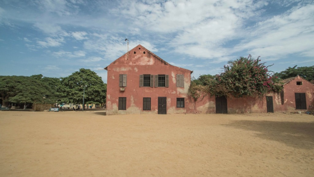 Tagesausflug-von-Dakar-Architektur-Ile-de-Goree-Senegal
