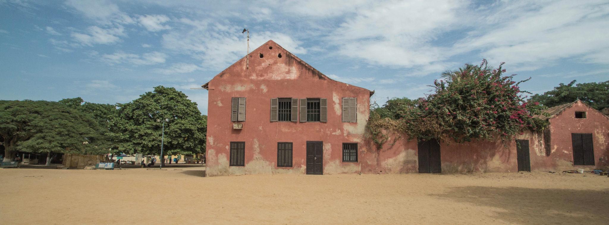 Tagesausflug-von-Dakar-Architektur-Ile-de-Goree-Senegal-Slider