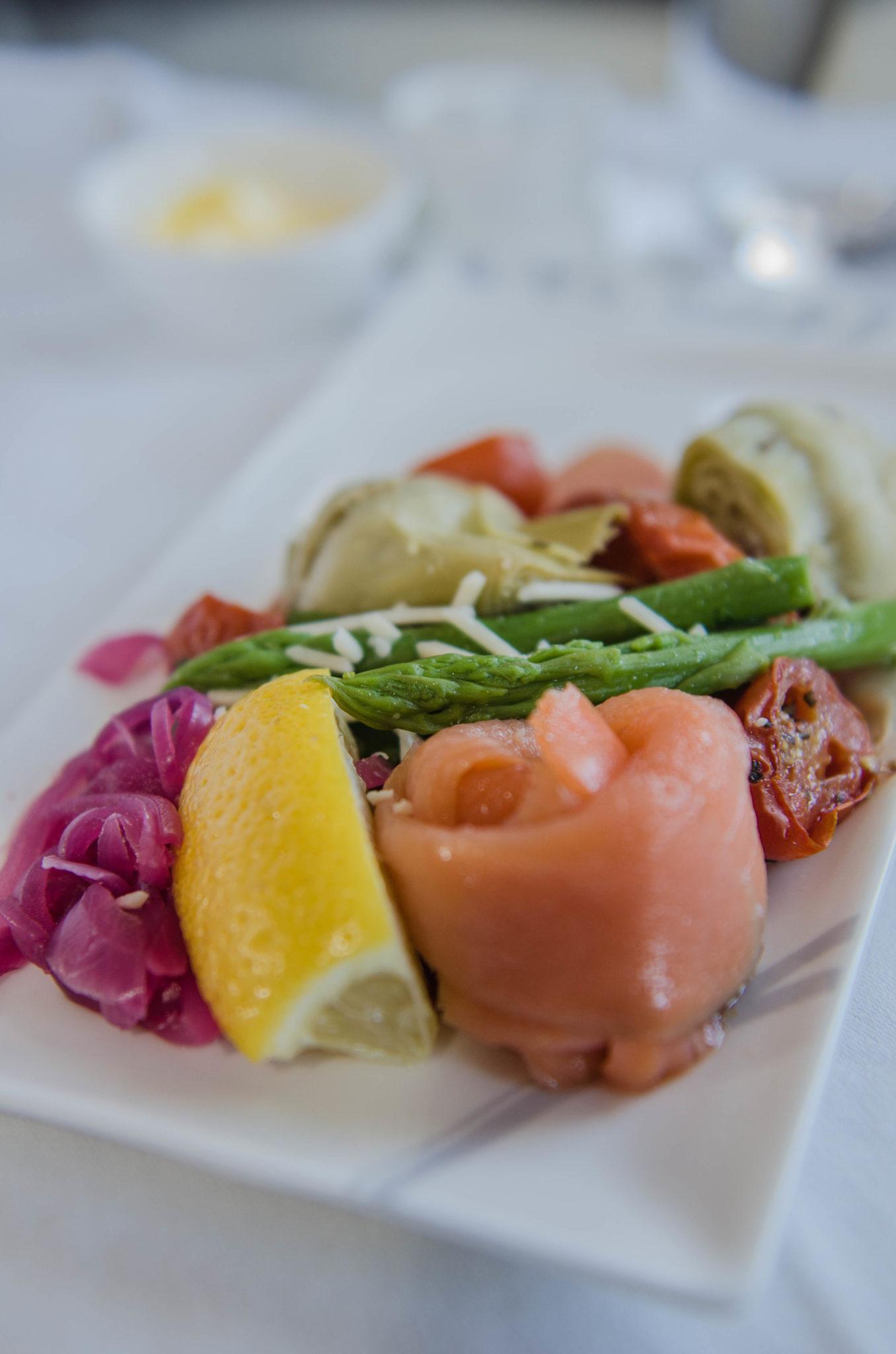 Frisch und lecker: Lachs in der Hainan Business Class