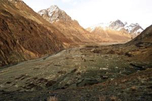 The Archive Talks: Per Anhalter nach Indien mit Morten Hübbe und Rochssare Neromand-Soma