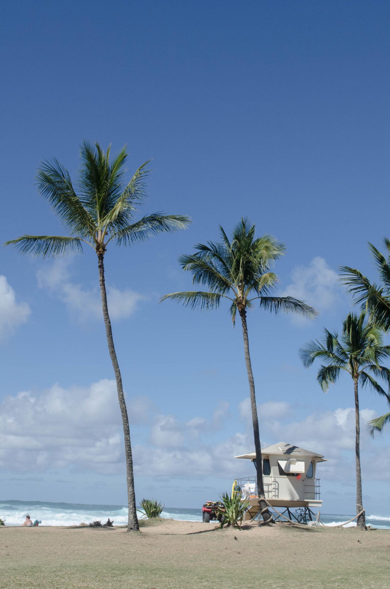 Sehenswürdigkeiten Hawaii: Die kleine Hütte der Rettungsschwimmer ist eine Ikone auf Oahu