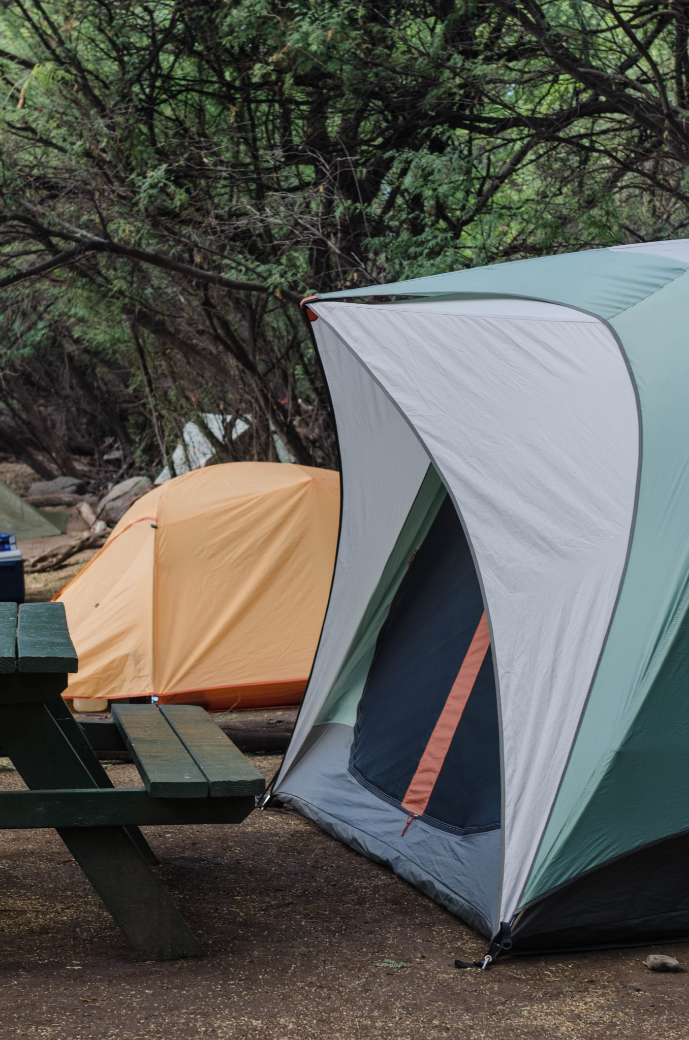 Sehenswürdigkeiten Hawaii: Die Zelte kann man sich einfach im Walmart auf Maui kaufen