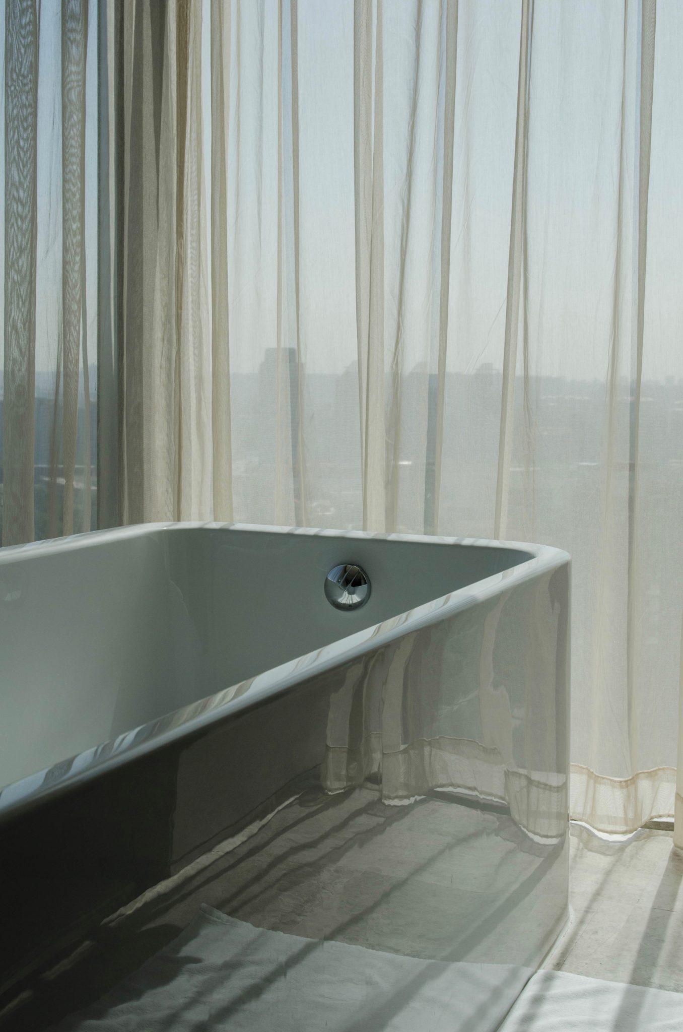 Die Badewanne im Hotelzimmer