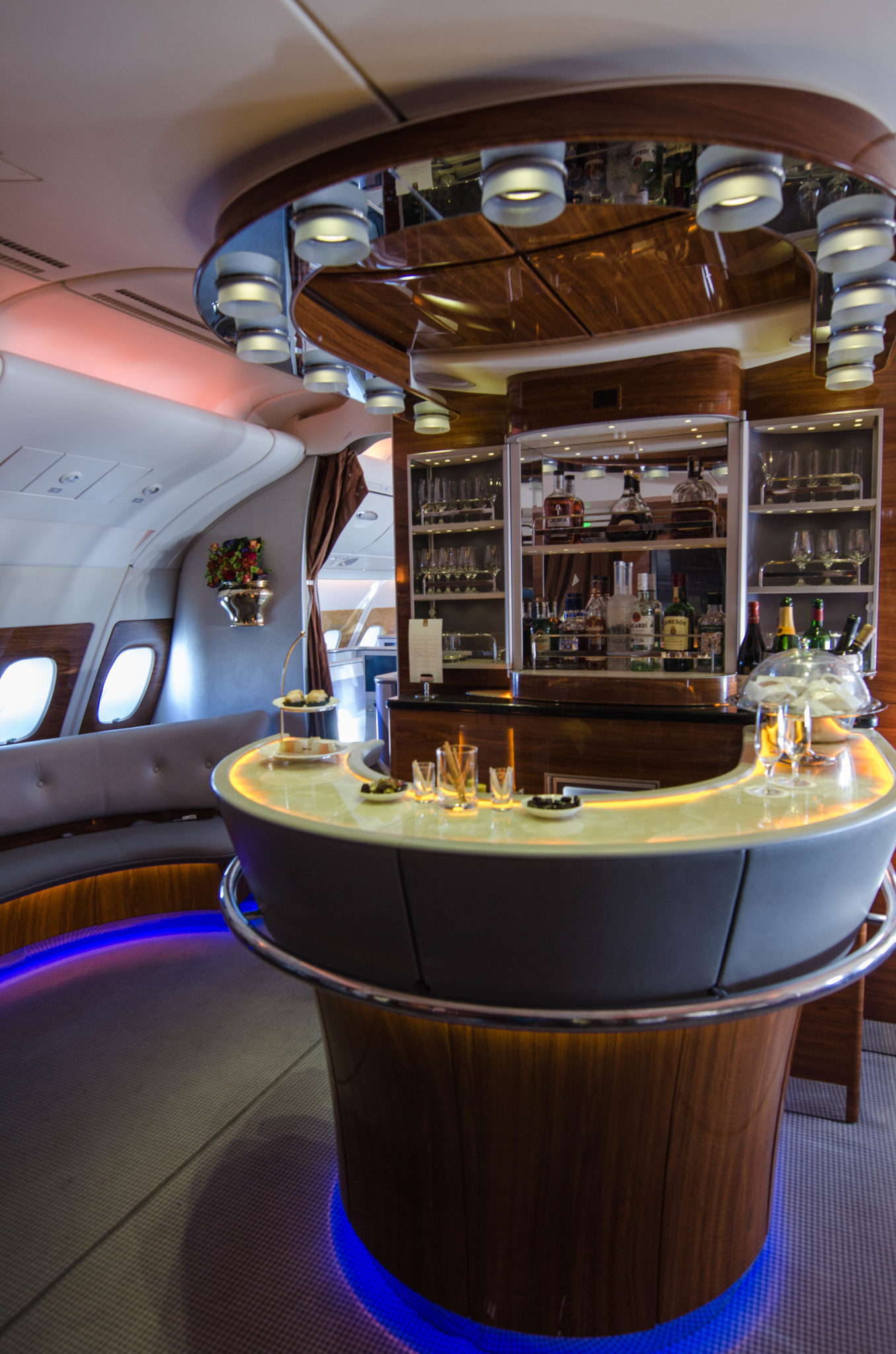 Die Emirates A380 Bar ist das Highlight der Emirates Business Class