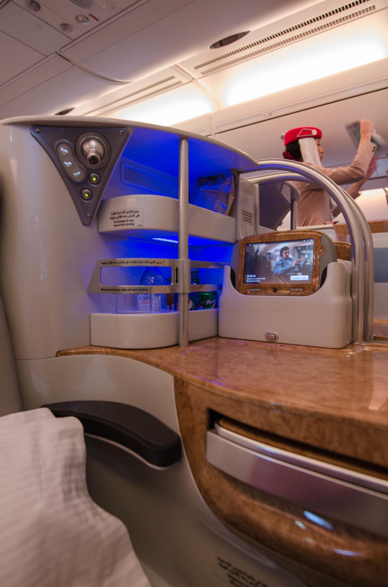 Emirates Business Class A380: Eine eigene kleine Bar befindet sich in jedem Sitz