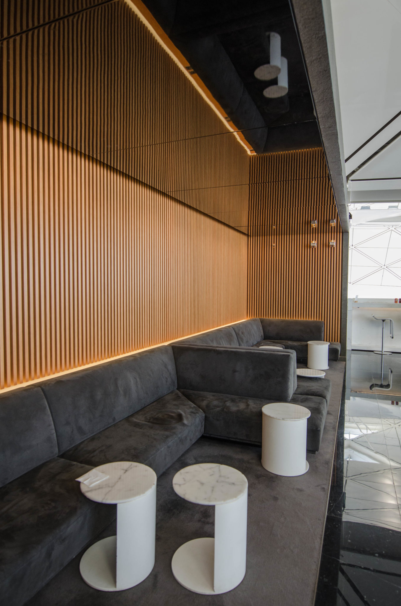 Die Cathay Lounge am Flughafen Hongkong