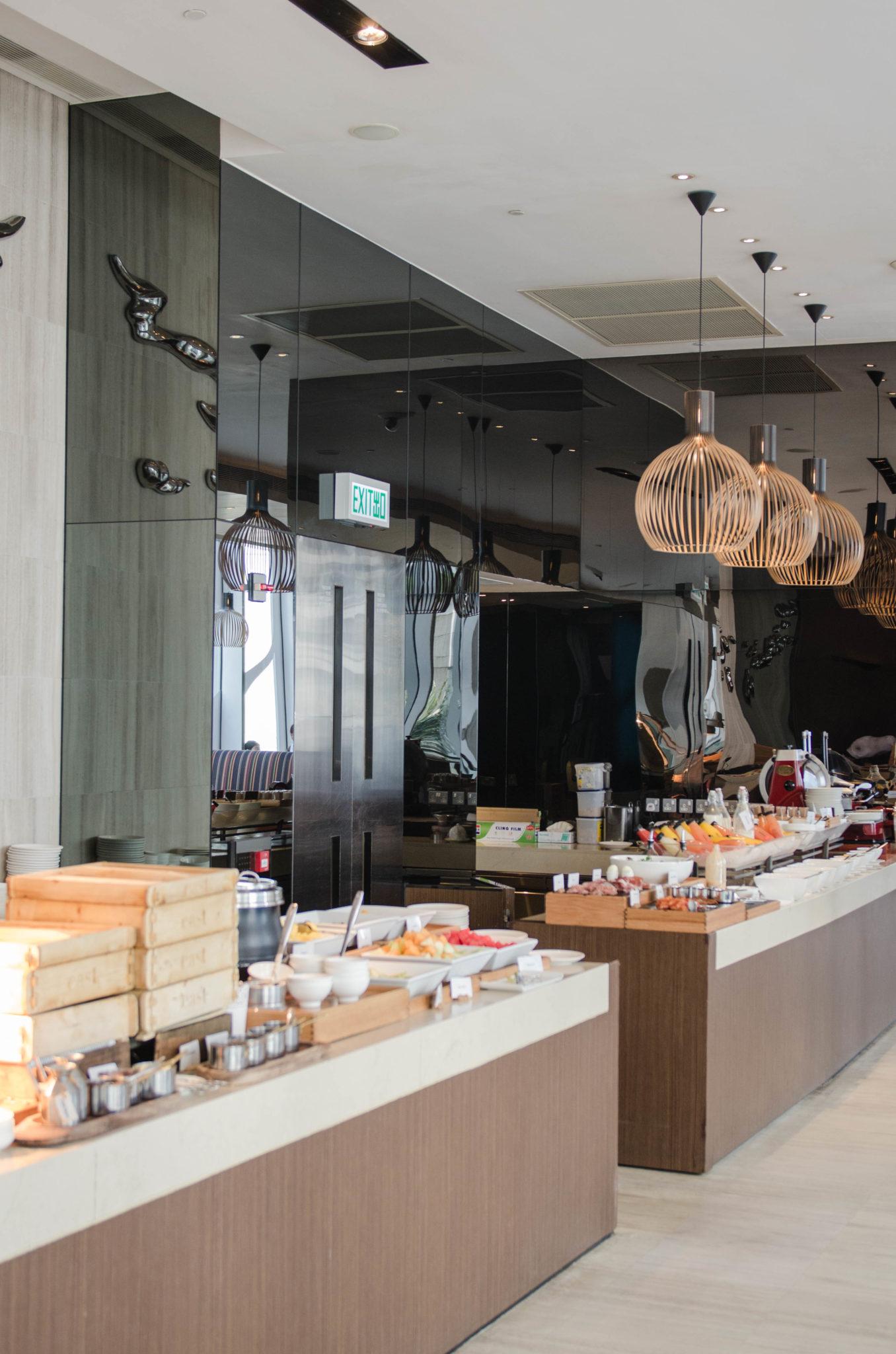 Das Frühstück ist im Hotel EAST Hong Kong ein Buffet