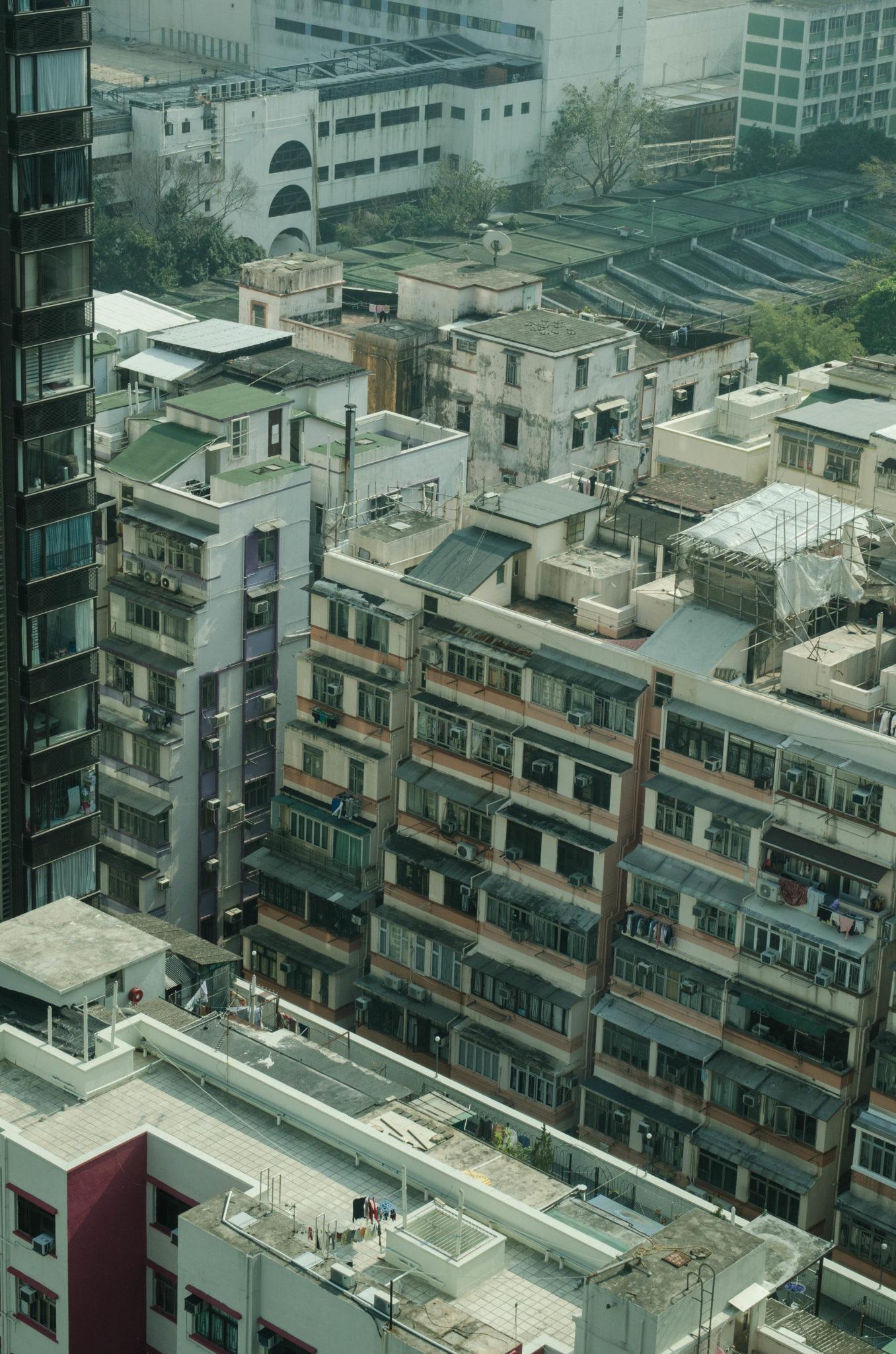 Lanson Place Hotel Hongkong: Der Ausblick von den Zimmern führt zum typischen Hongkong Flair