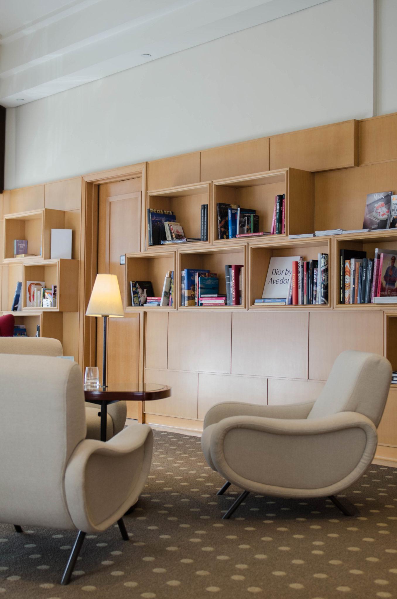 Lanson Place Hotel Hongkong: Die Bibliothek ist ein toller Ort zum Verweilen