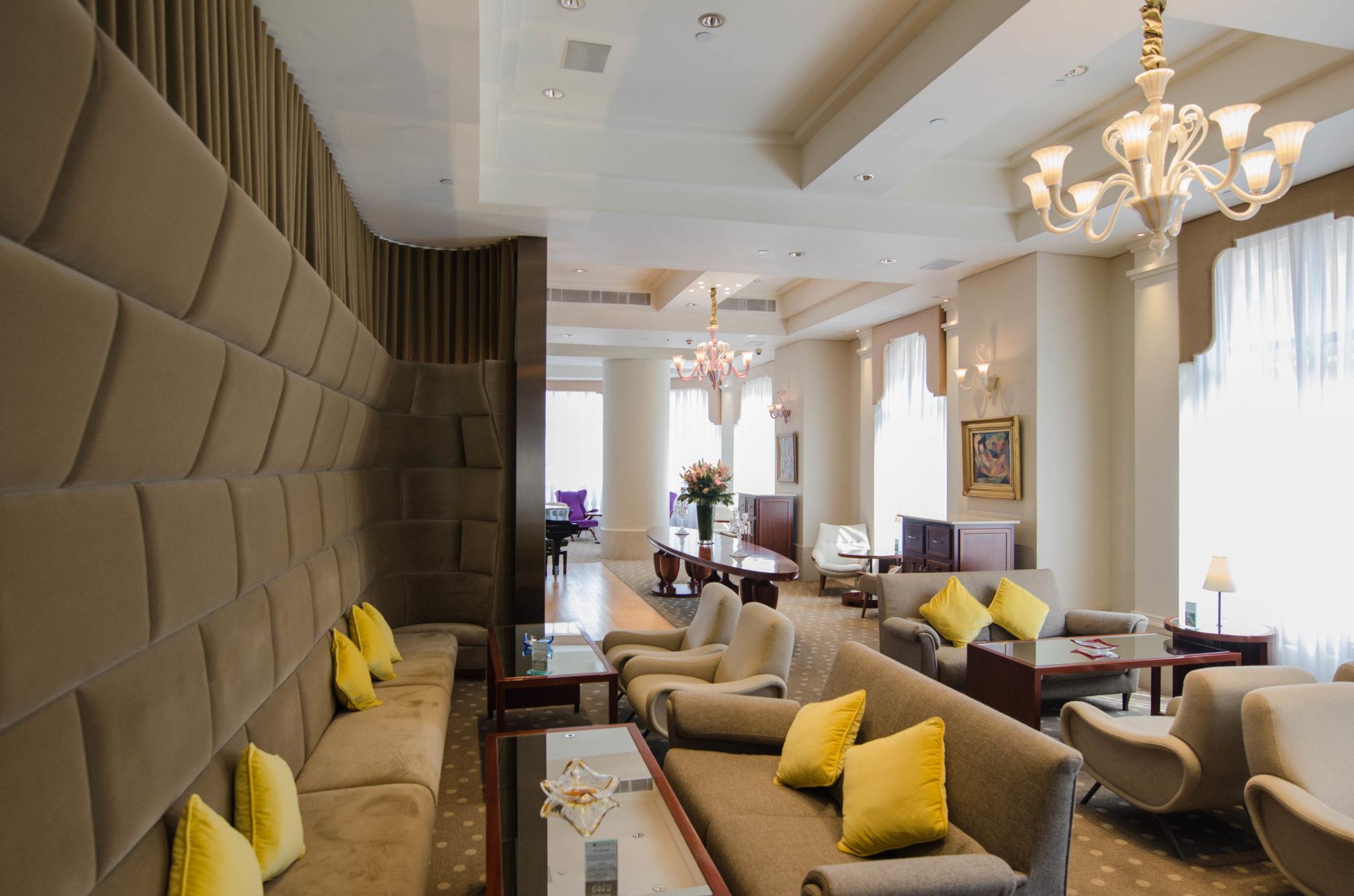Lanson Place Hotel Hongkong: In der Lobby fühlt man sich direkt zu Hause