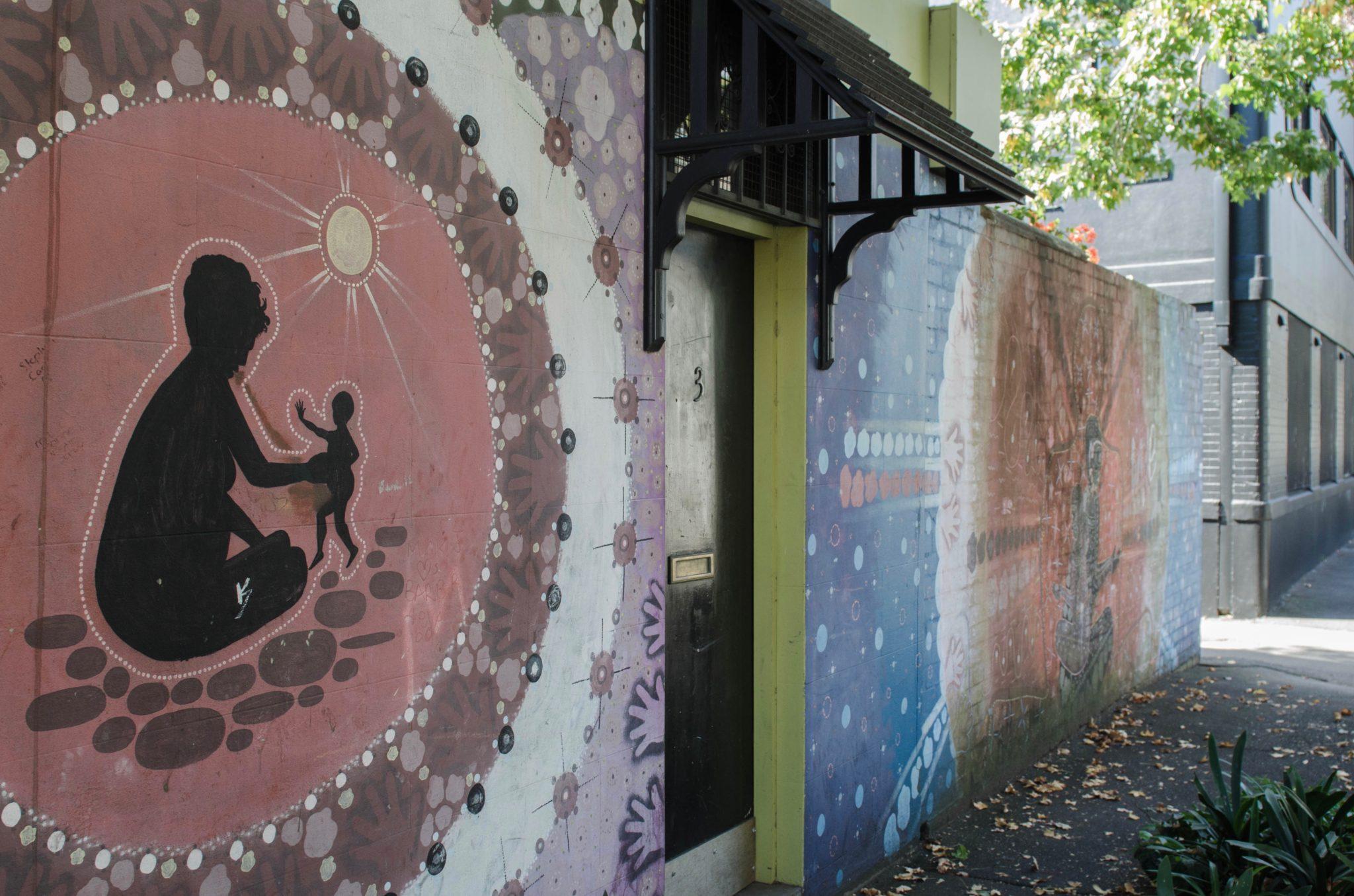 Redfern Sydney: Diese Malereien findet man heute am Aboriginal Community Centre