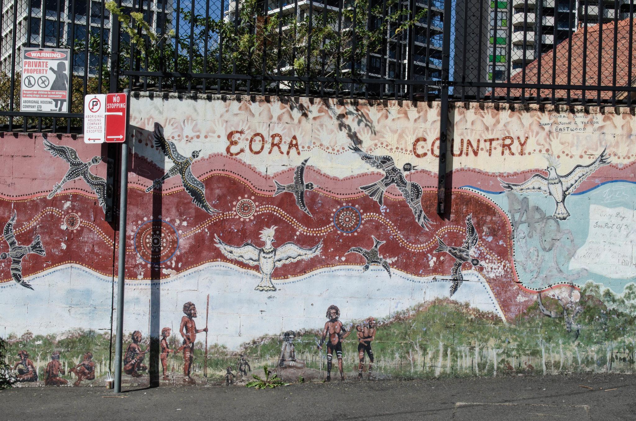 Redfern Sydney: Die Malerei an den Mauern erzählen die Geschichten der Aborigines, die hier einst lebten