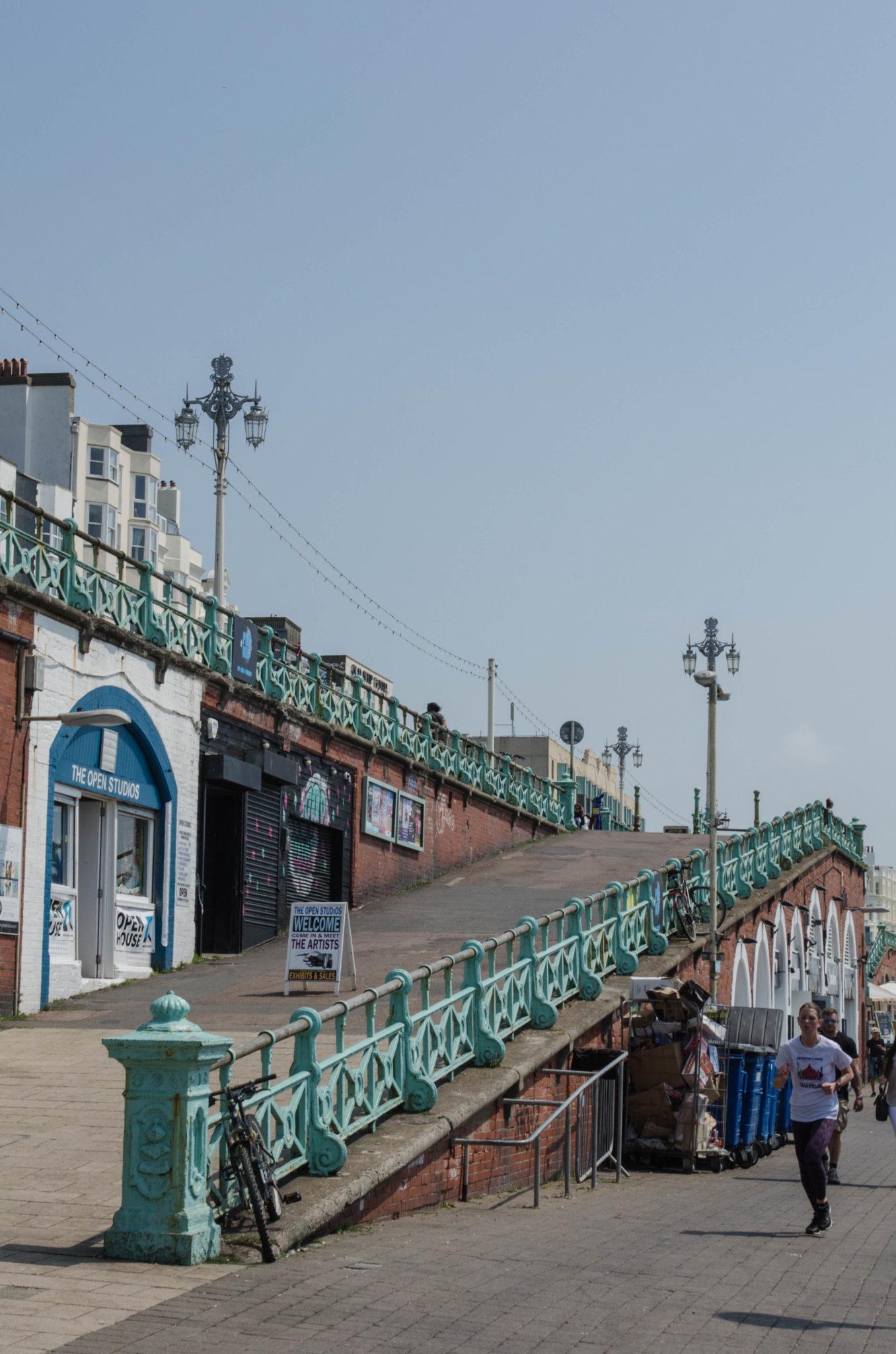 An der Strandpromenade in Brighton findet man noch viele Überbleibsel von früher.
