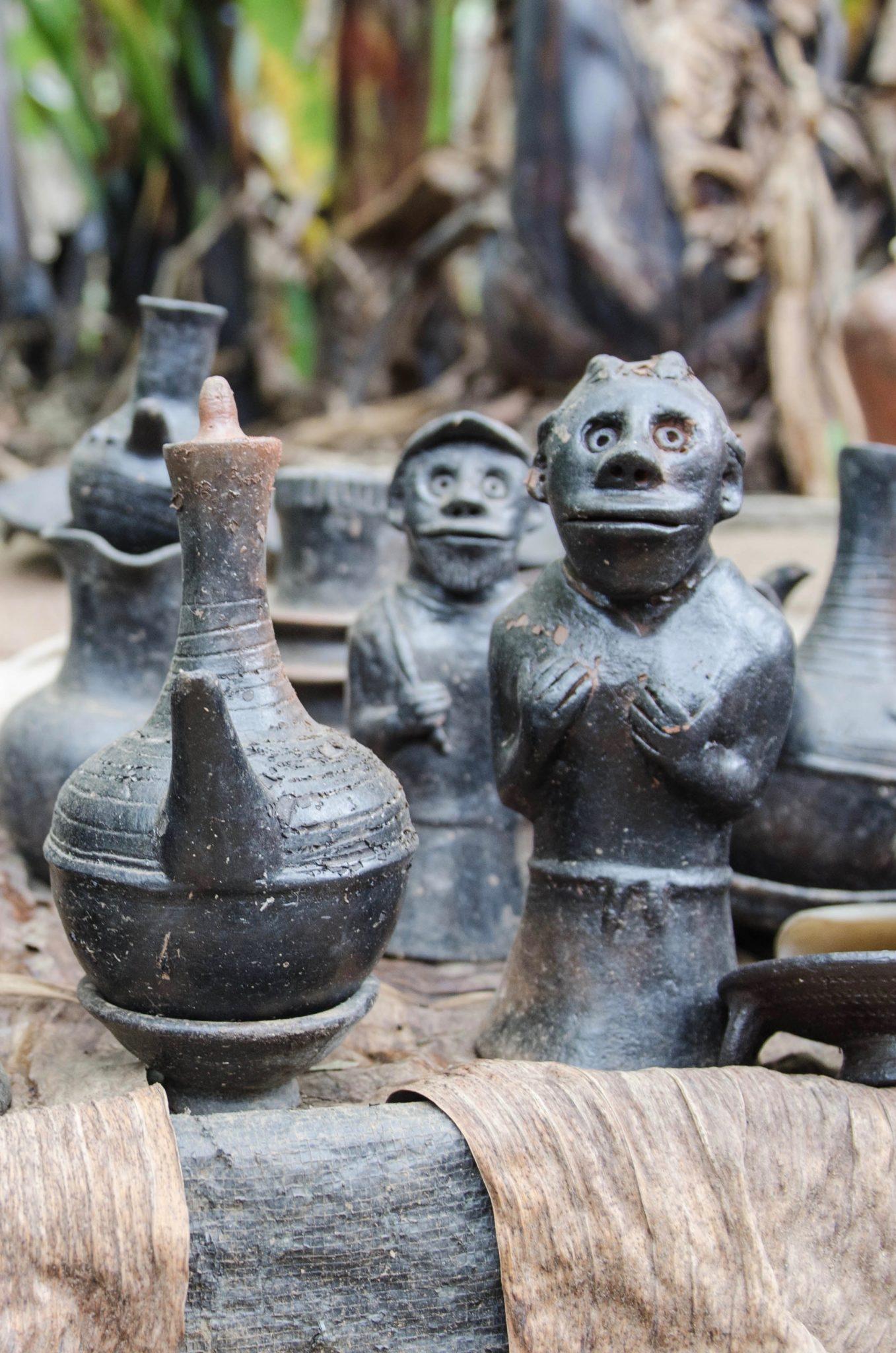 Die Dorze verkaufen handgefertigte Produkte im Dorf.