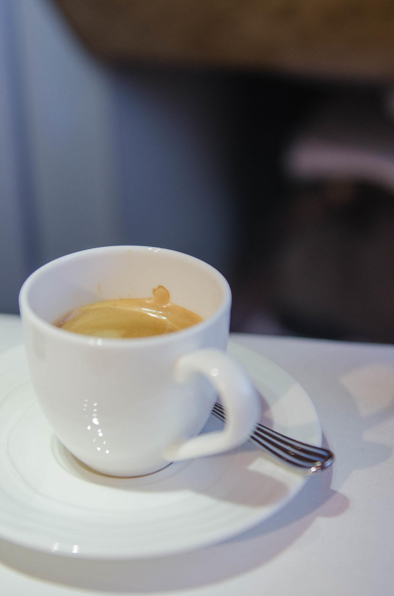 Das Essen in der Emirates A380 Business Class ist einwandfrei.