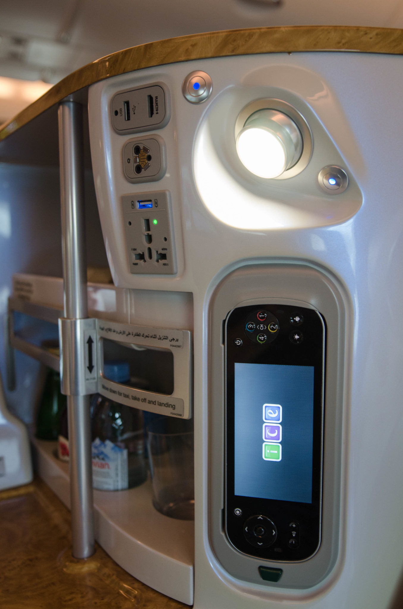 Die Sitze in der Emirates A380 Business Class sind modern und groß.
