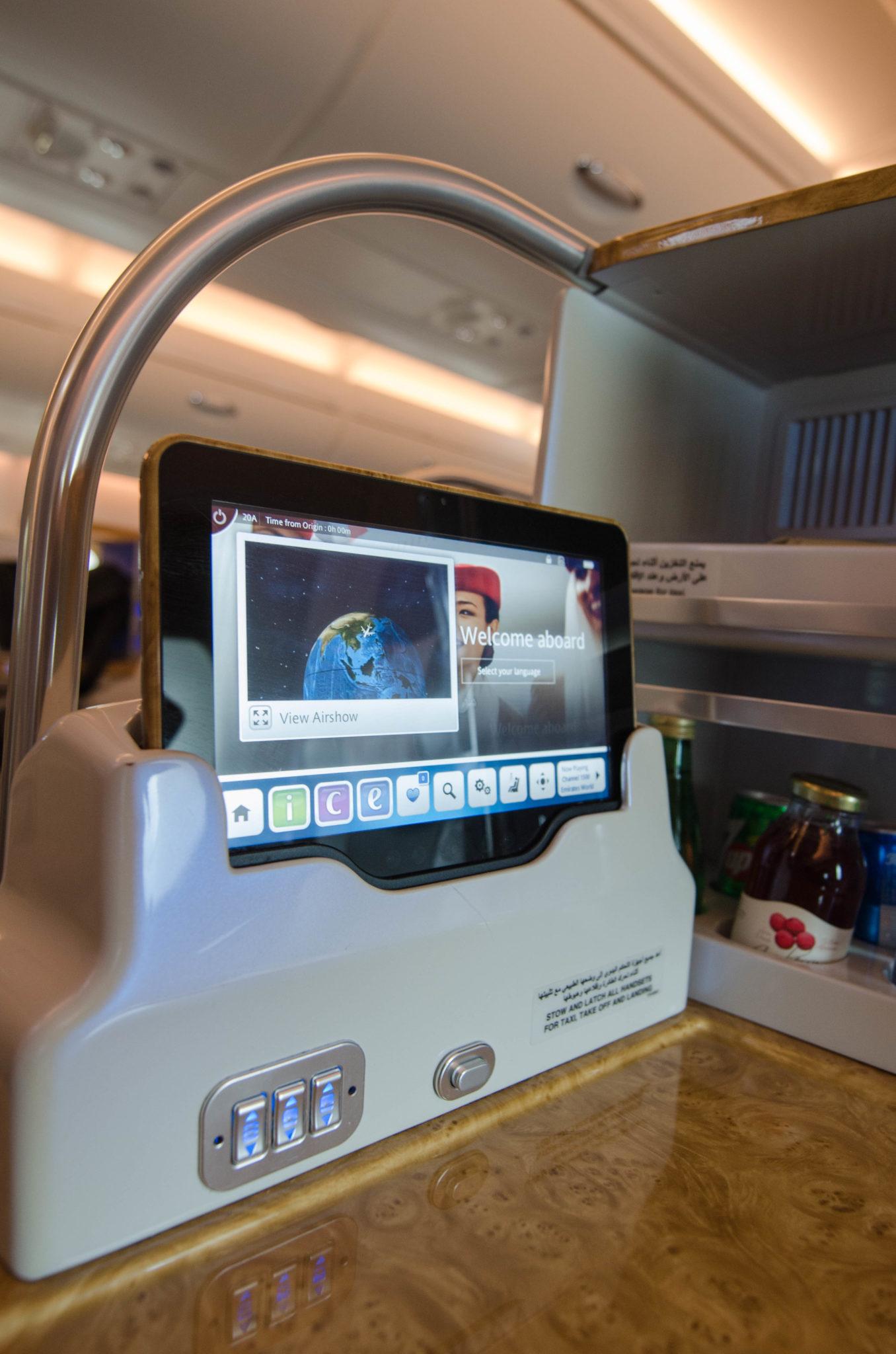 Die Technik in der Emirates A380 Business Class ist auf höchstem Standard.