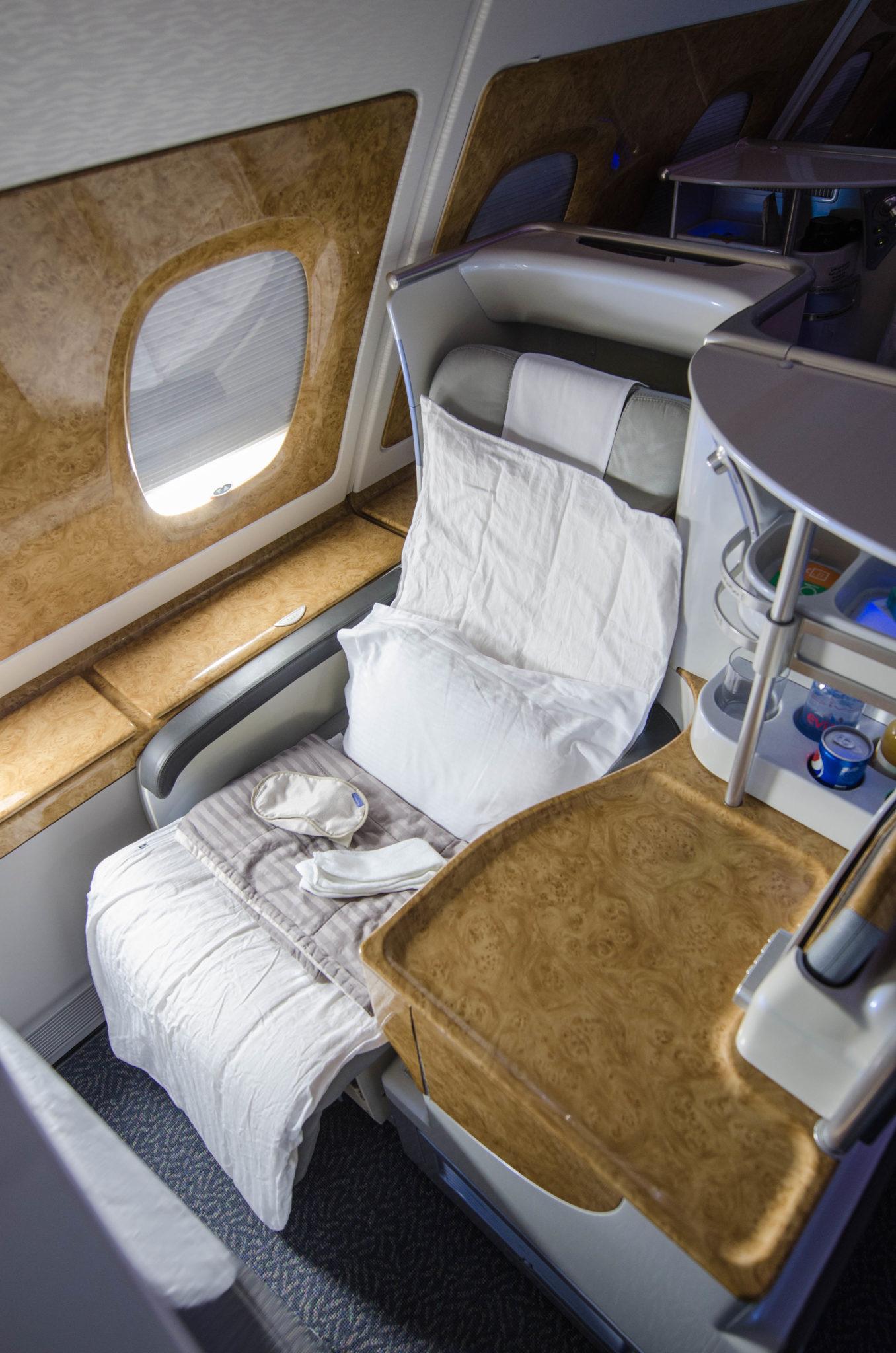 Der Emirates Business Class Sitz im A380 bietet jede Menge Platz