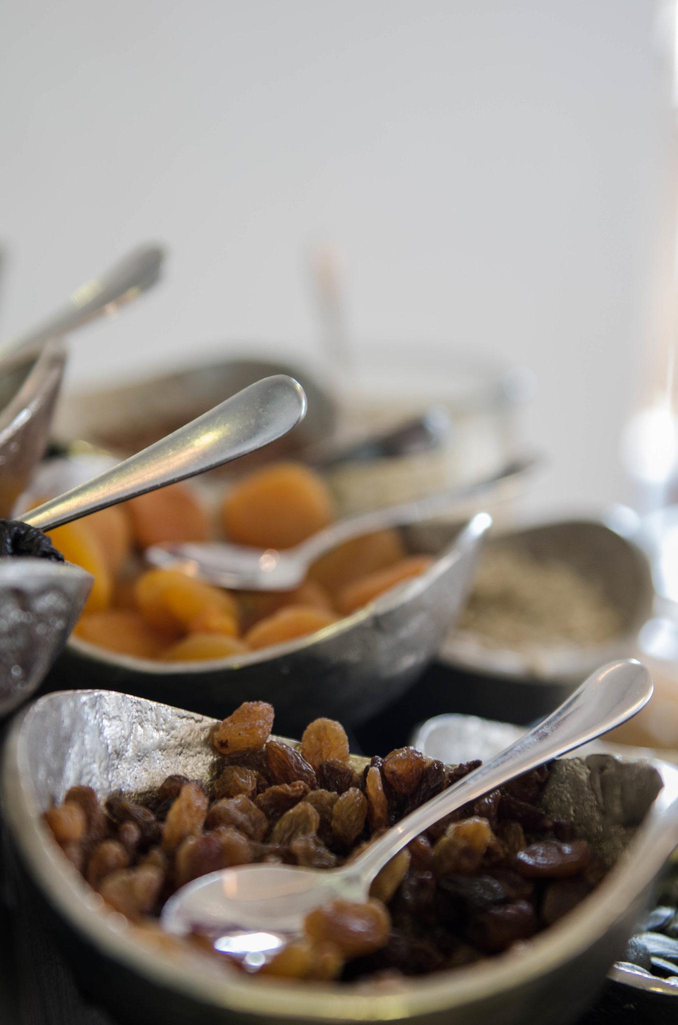 Zum Frühstück im Resort Mark Brandenburg gibt es regionale Spezialitäten aus der Umgebung von Neuruppin.