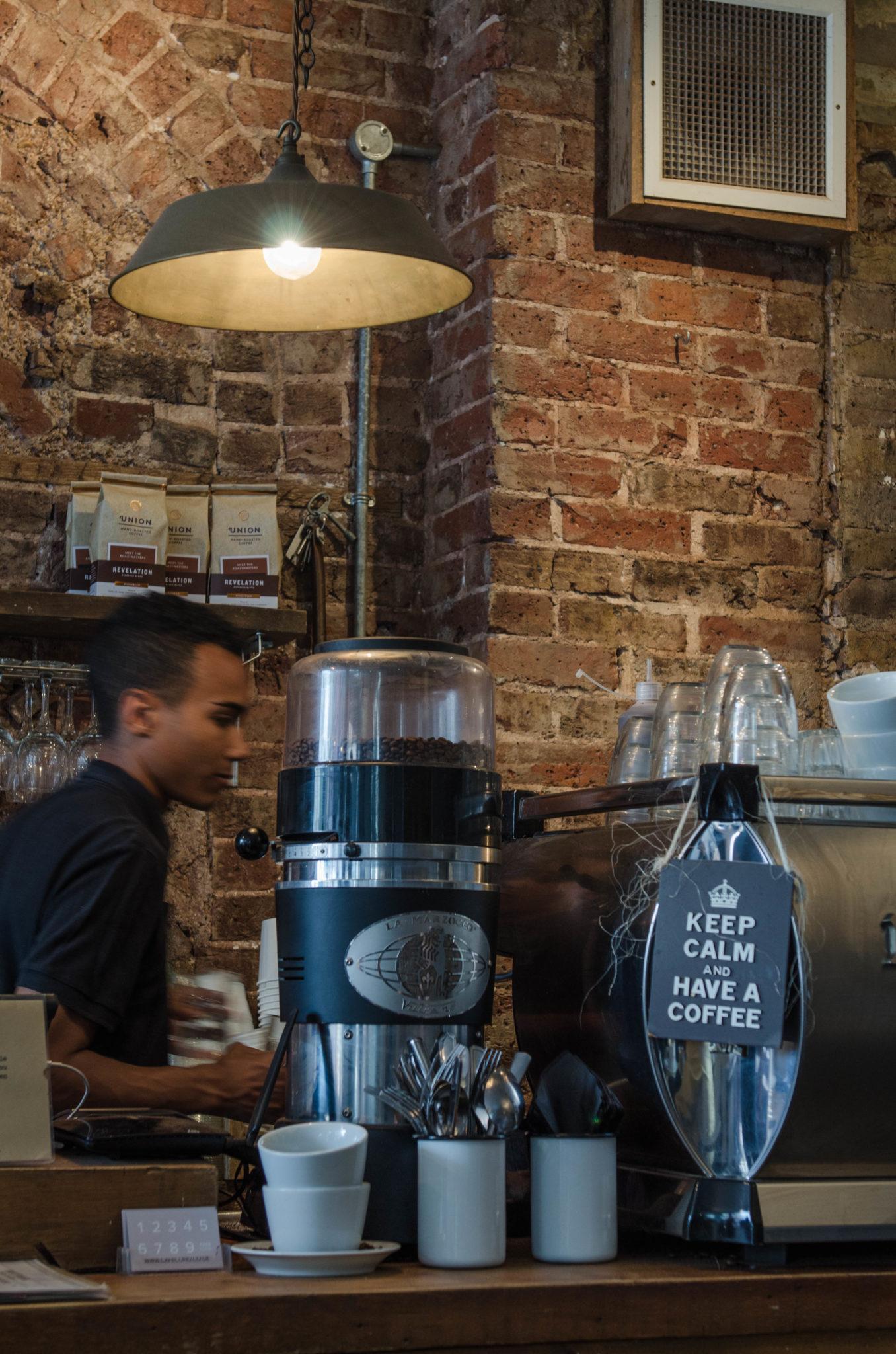 Ein hippes Café in Brighton