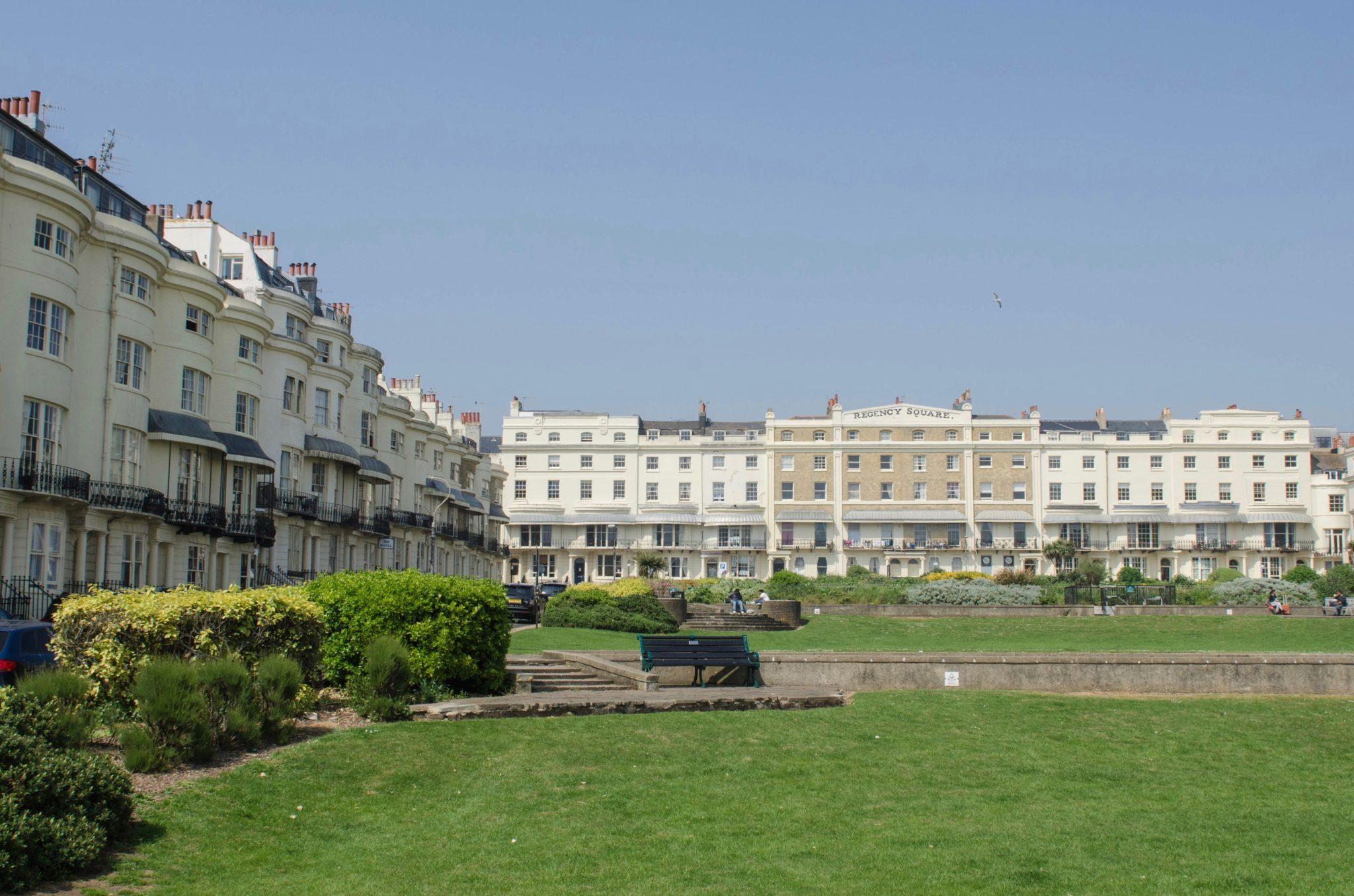 Der Regency Square in Brighton ist die kleine grüne Lunge der britischen Küstenstadt.